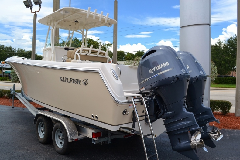 Thumbnail 2 for New 2017 Sailfish 270 CC Center Console boat for sale in Vero Beach, FL
