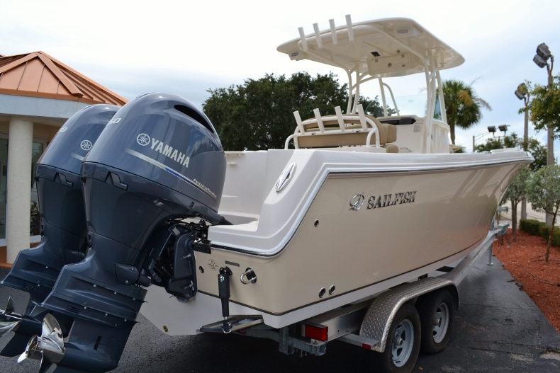 Thumbnail 4 for New 2017 Sailfish 270 CC Center Console boat for sale in Vero Beach, FL