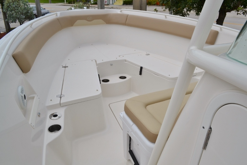 Thumbnail 10 for New 2017 Sailfish 270 CC Center Console boat for sale in Vero Beach, FL