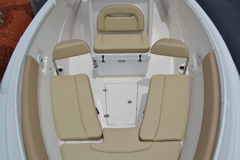Thumbnail 16 for New 2017 Sailfish 270 CC Center Console boat for sale in Vero Beach, FL