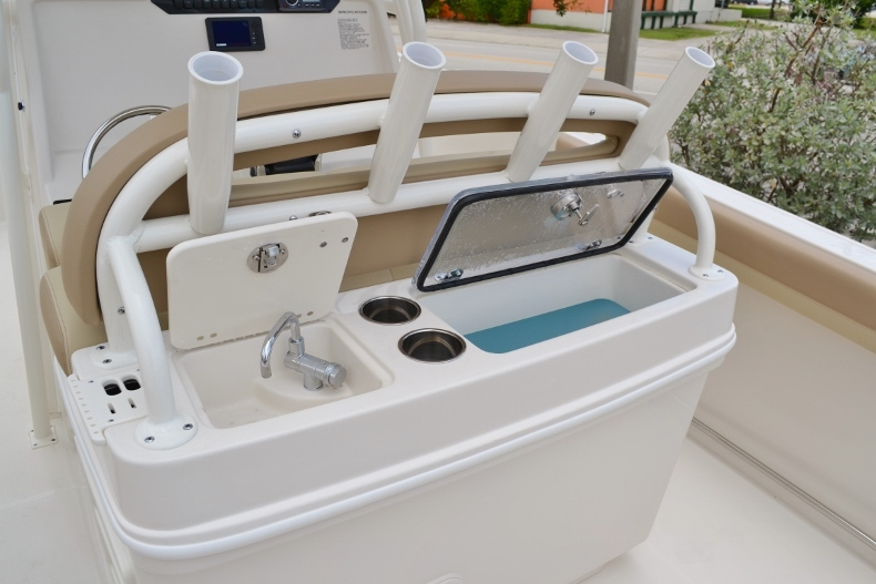 Thumbnail 20 for New 2017 Sailfish 270 CC Center Console boat for sale in Vero Beach, FL