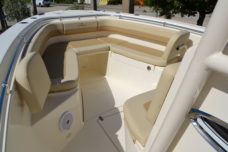 Thumbnail 14 for New 2017 Cobia 277 Center Console boat for sale in Vero Beach, FL