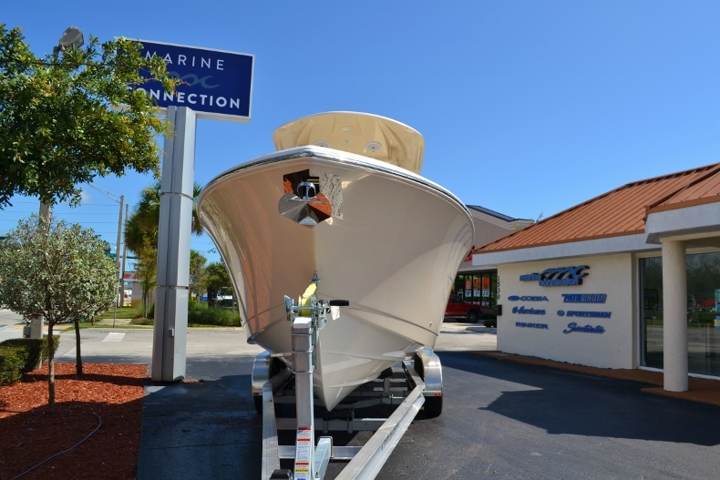 Thumbnail 5 for New 2017 Cobia 277 Center Console boat for sale in Vero Beach, FL