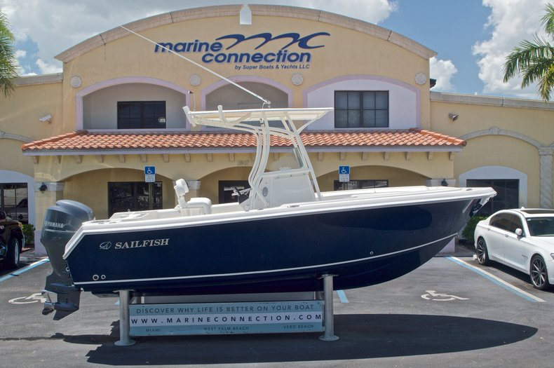 Used 2015 Sailfish 220 CC Center Console boat for sale in West Palm Beach, FL