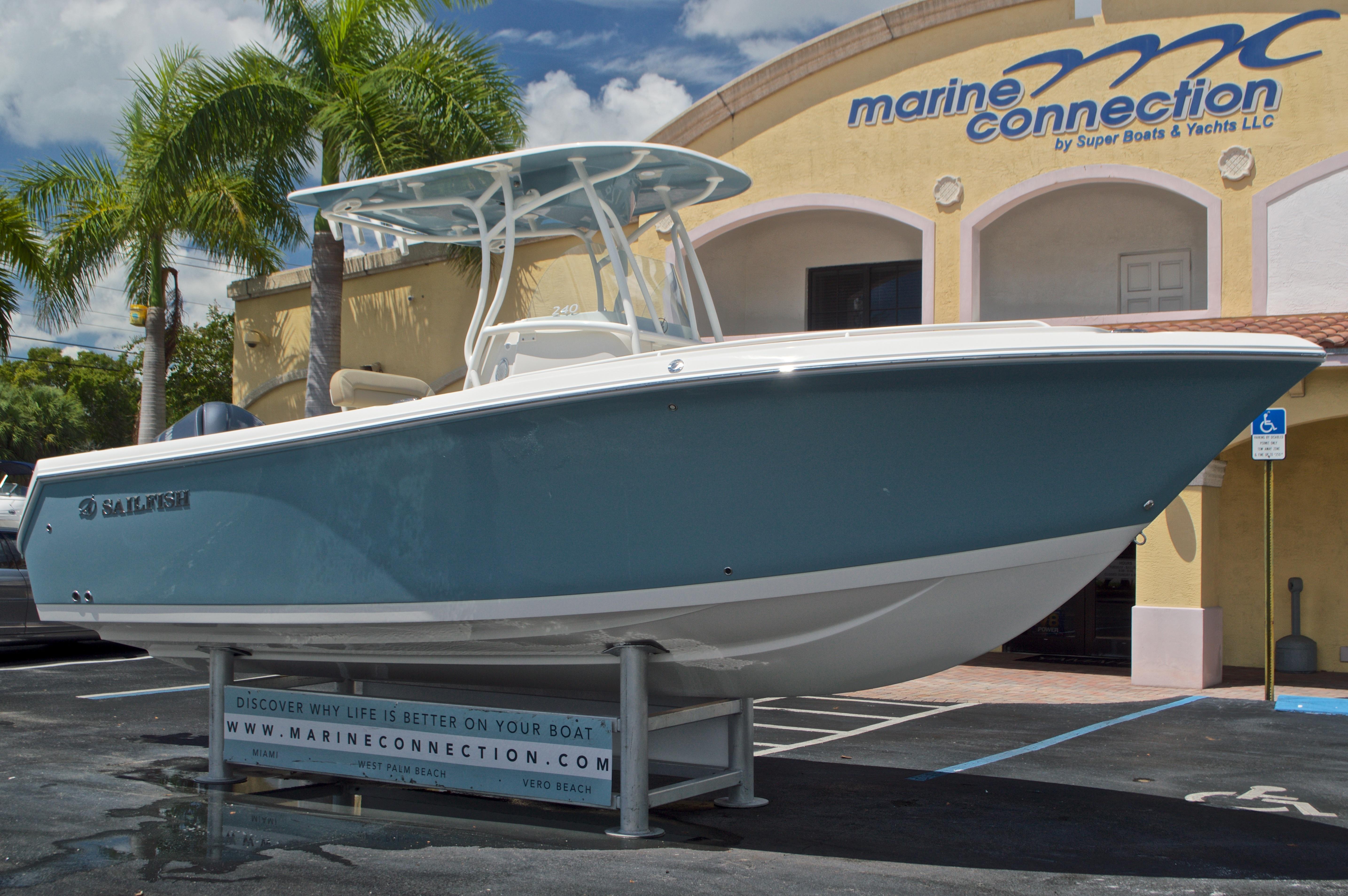 Thumbnail 1 for New 2017 Sailfish 240 CC Center Console boat for sale in Miami, FL