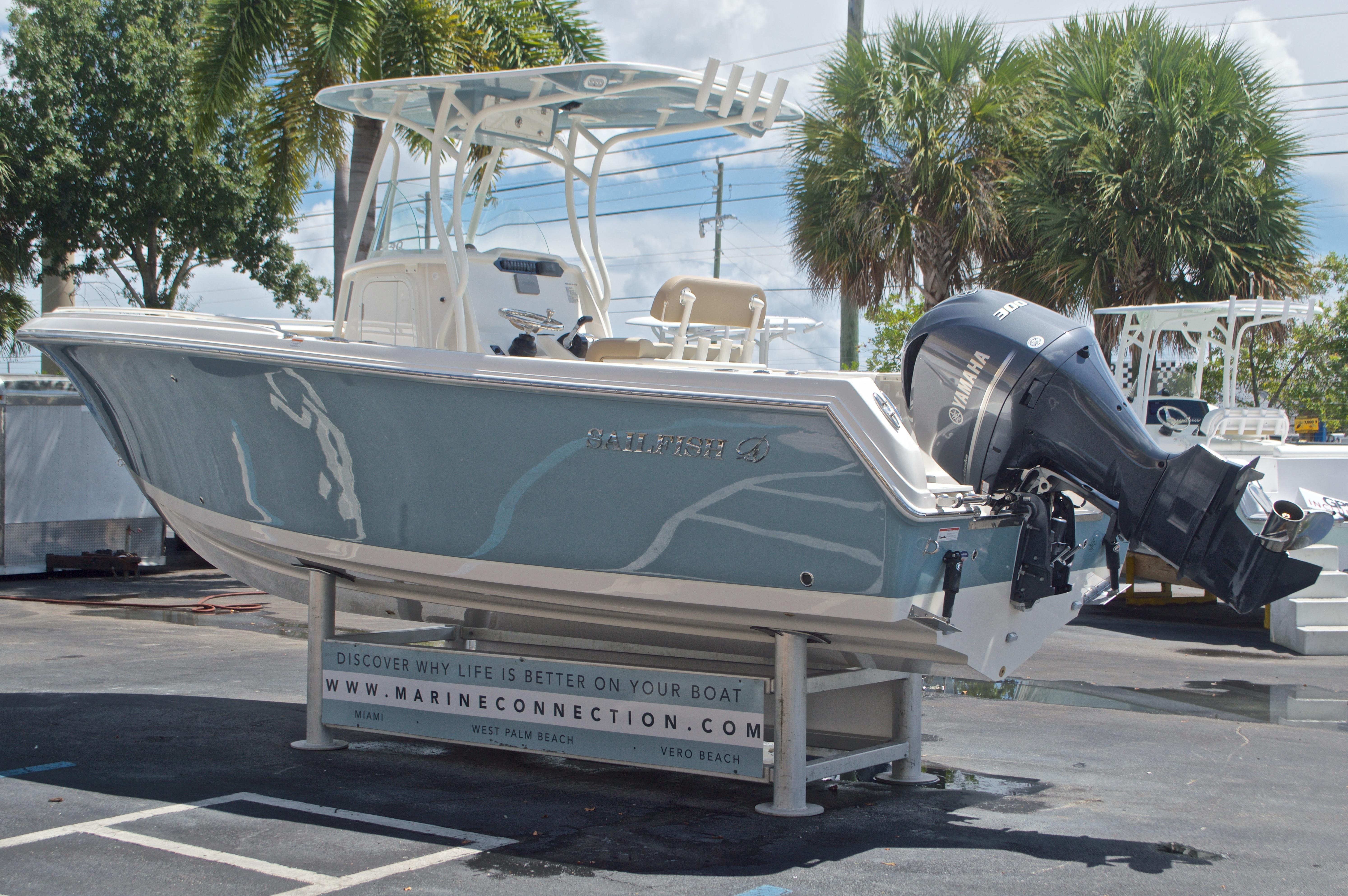 Thumbnail 5 for New 2017 Sailfish 240 CC Center Console boat for sale in Miami, FL