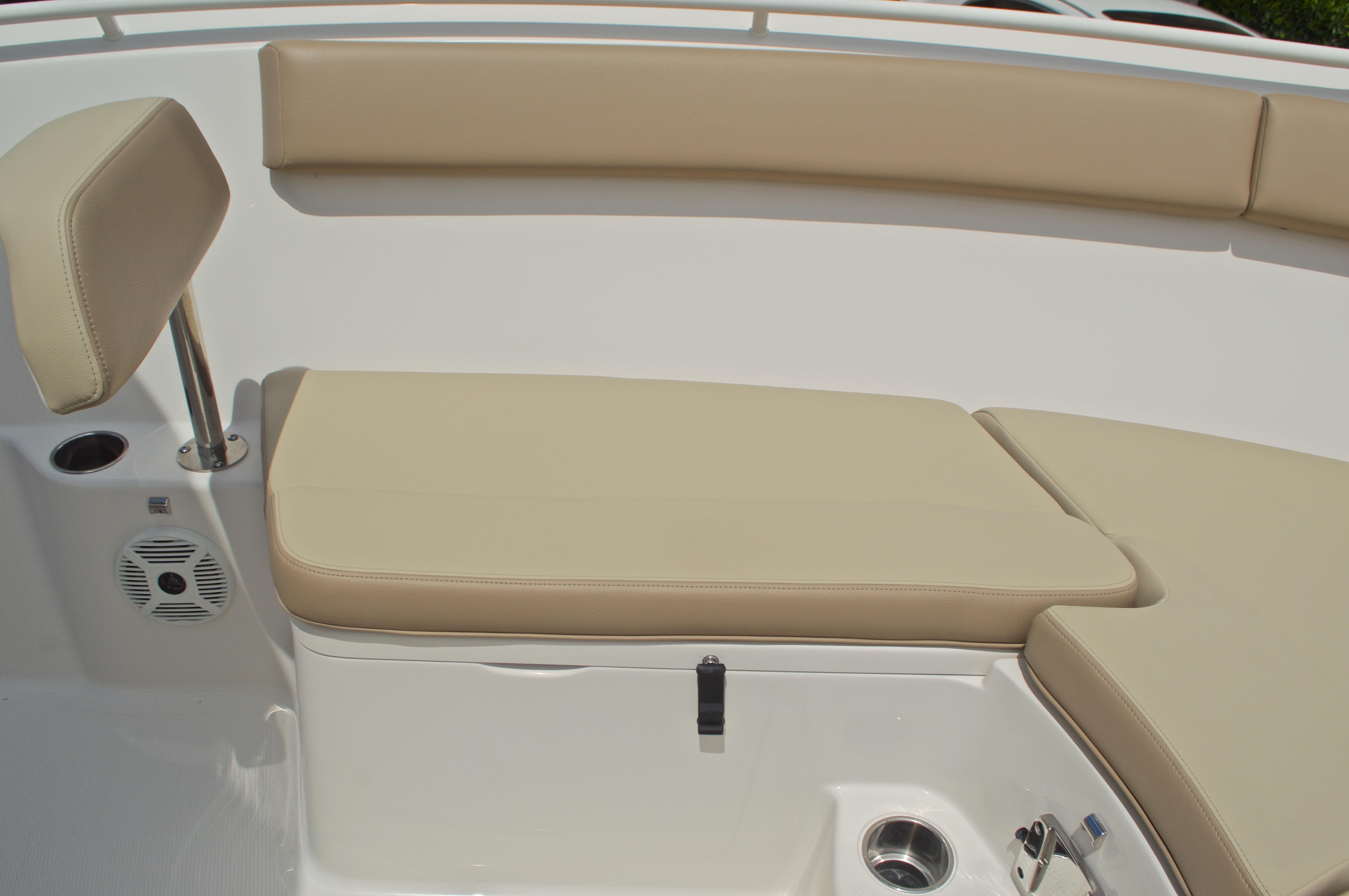 Thumbnail 48 for New 2017 Sailfish 240 CC Center Console boat for sale in Miami, FL