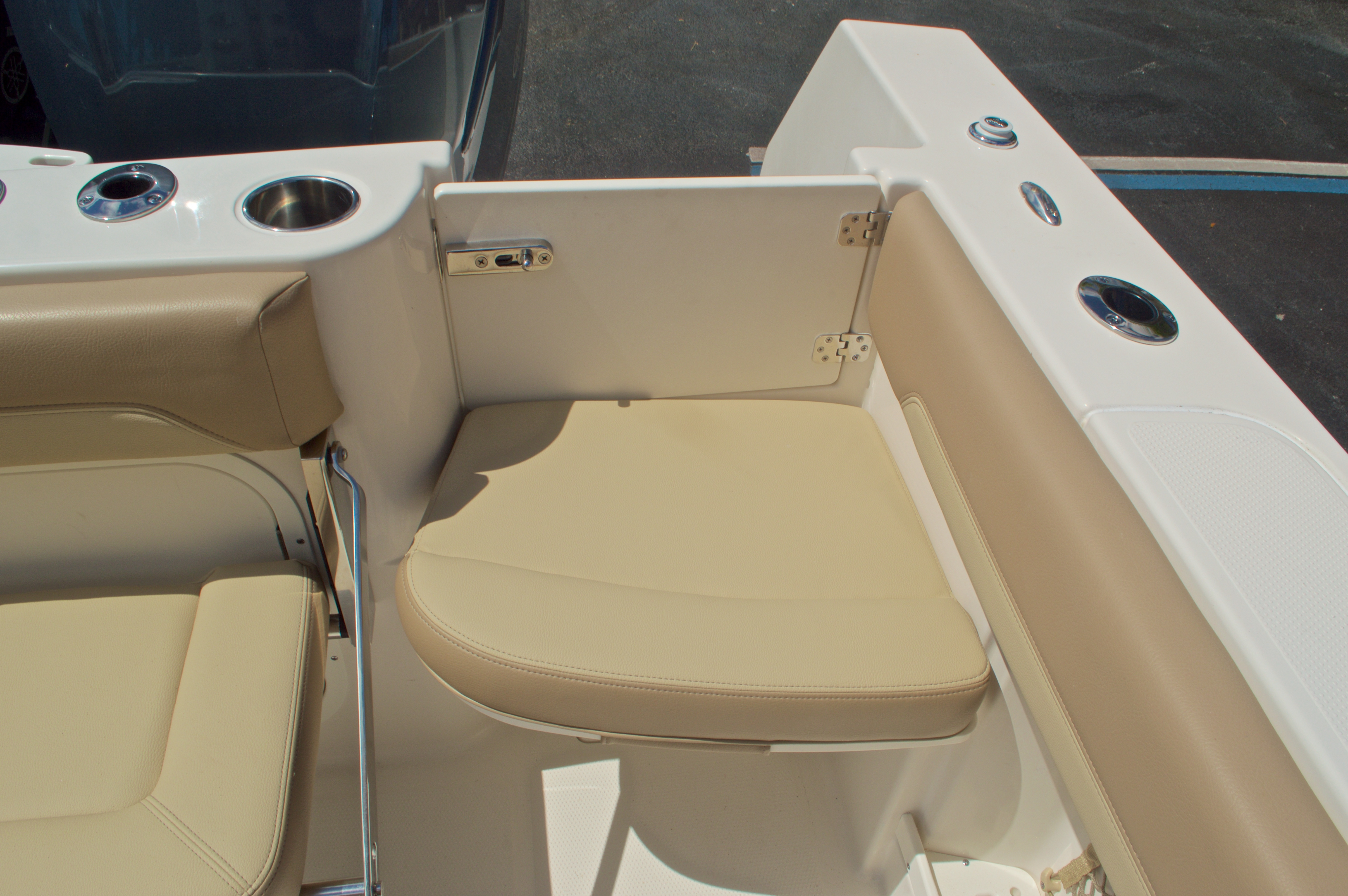 Thumbnail 16 for New 2017 Sailfish 290 CC Center Console boat for sale in Miami, FL