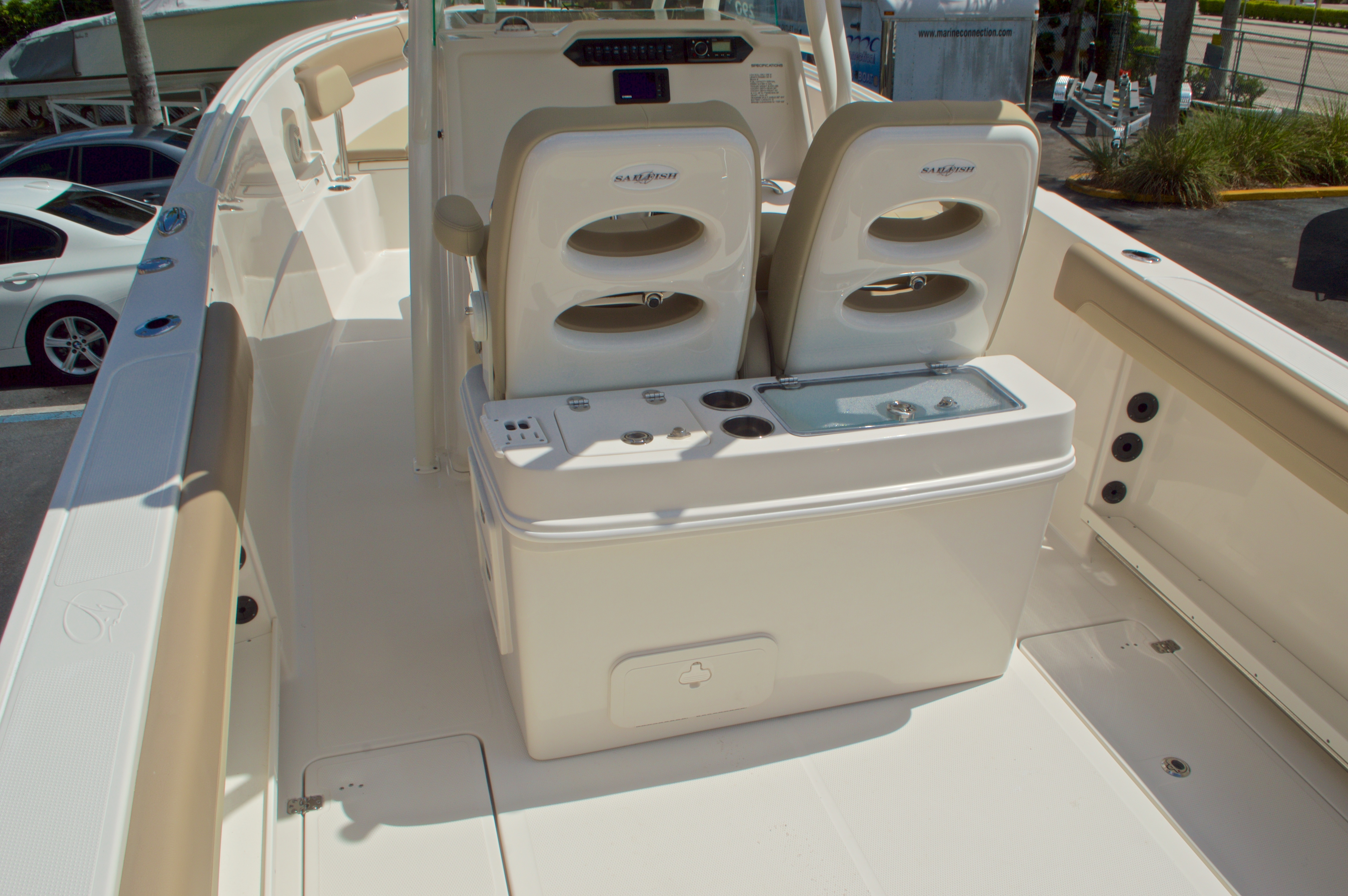Thumbnail 10 for New 2017 Sailfish 290 CC Center Console boat for sale in Miami, FL