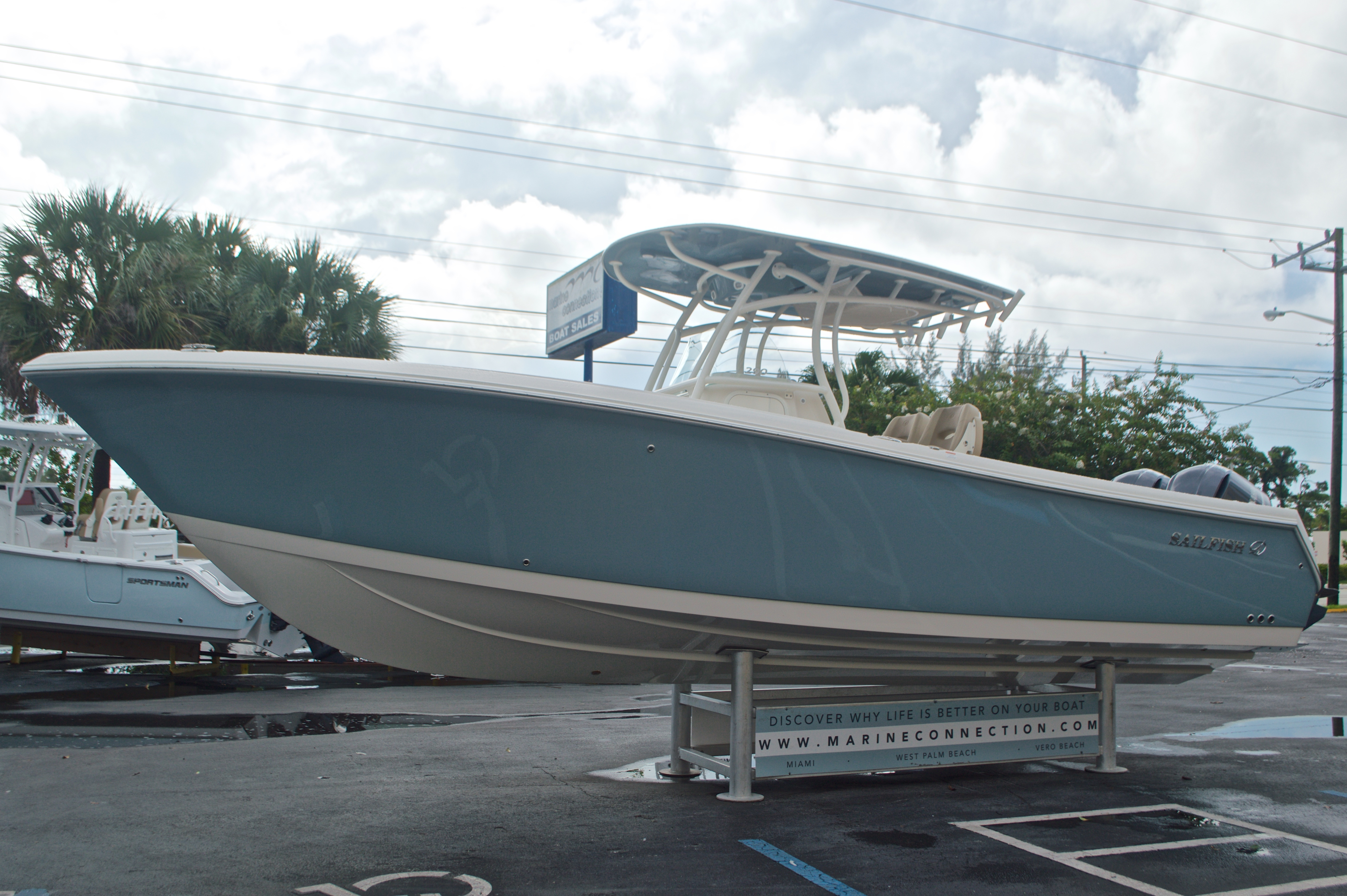 Thumbnail 4 for New 2017 Sailfish 290 CC Center Console boat for sale in Miami, FL