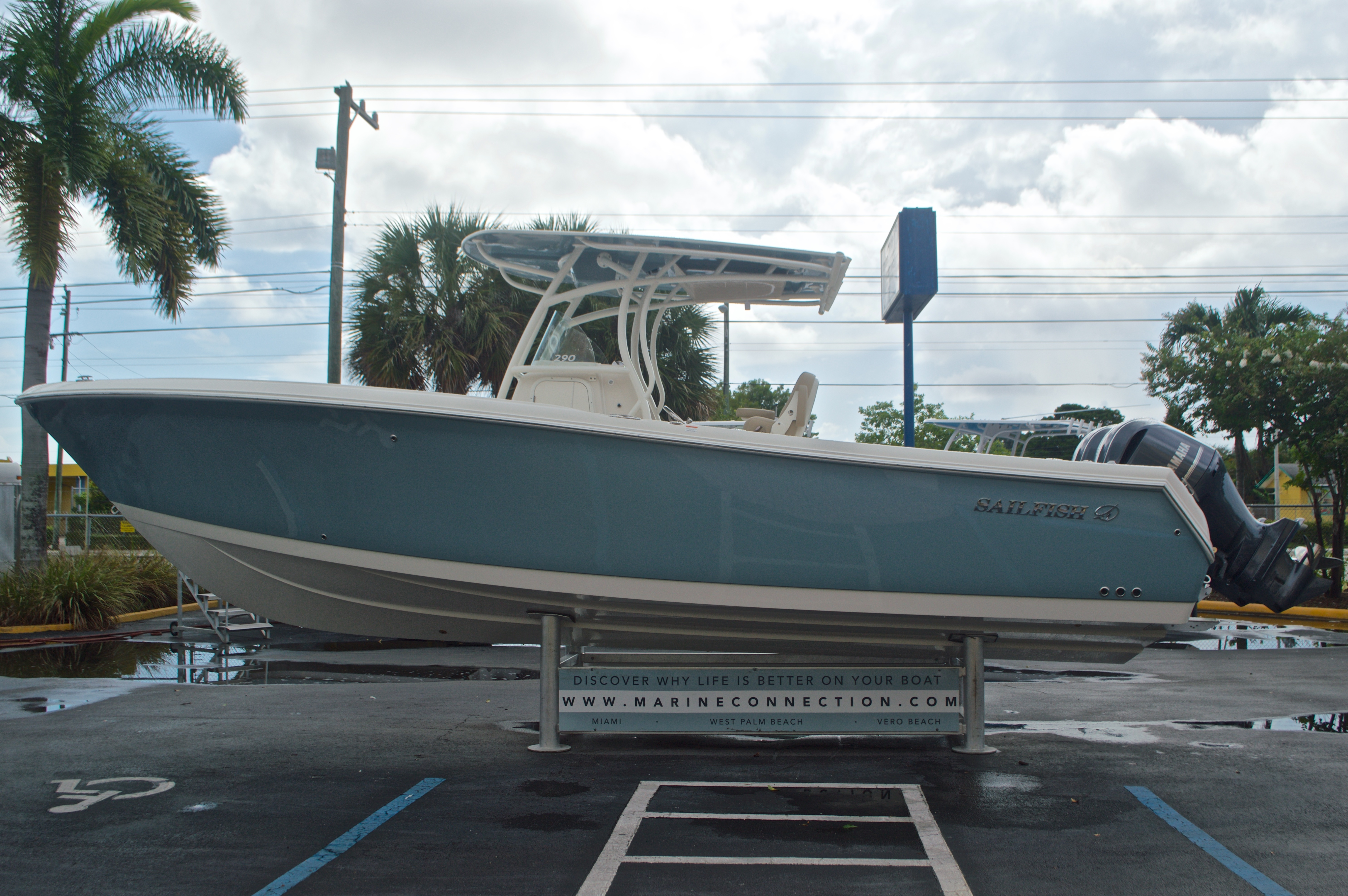 Thumbnail 5 for New 2017 Sailfish 290 CC Center Console boat for sale in Miami, FL