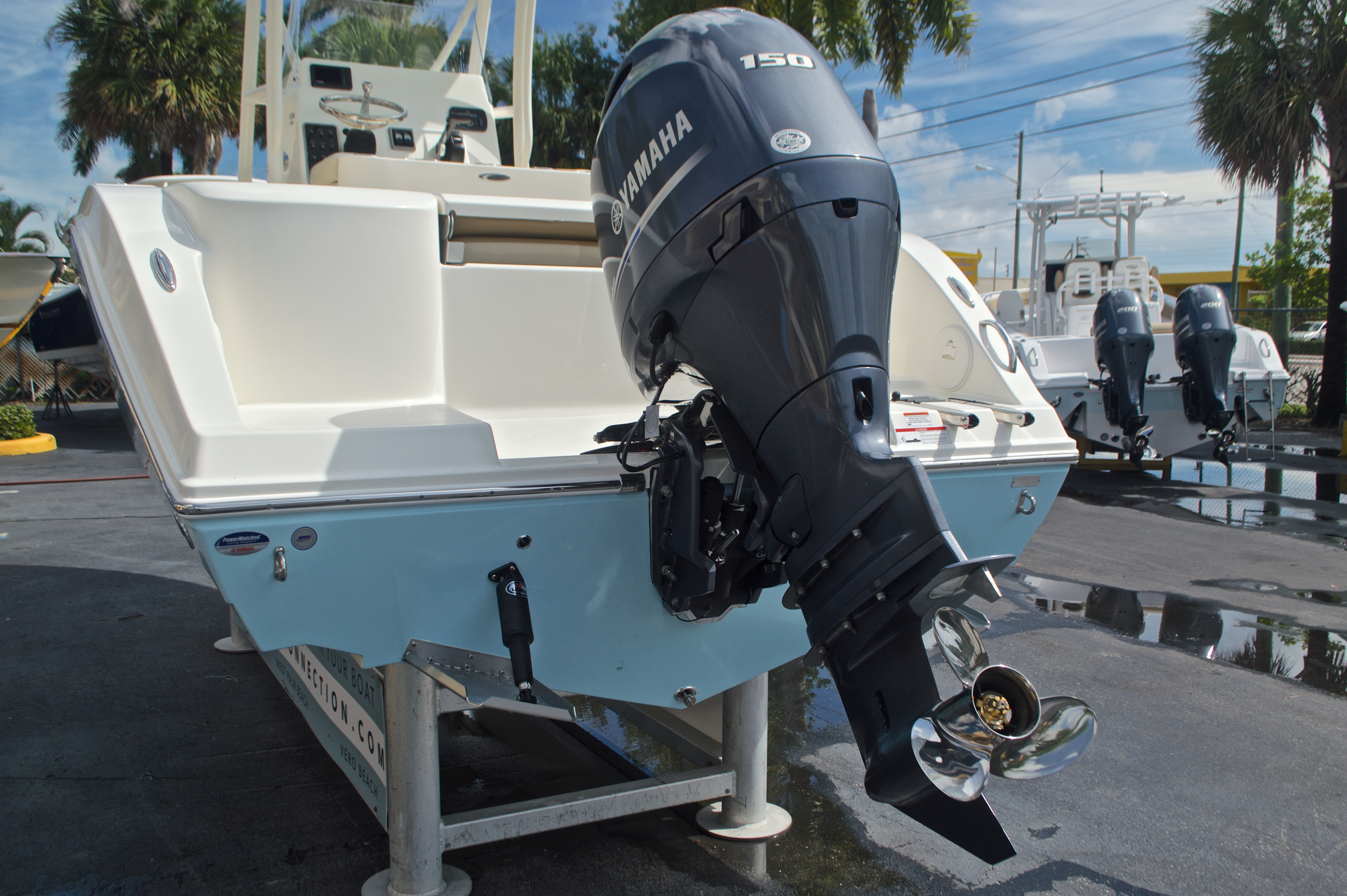 Thumbnail 7 for New 2017 Cobia 201 Center Console boat for sale in West Palm Beach, FL