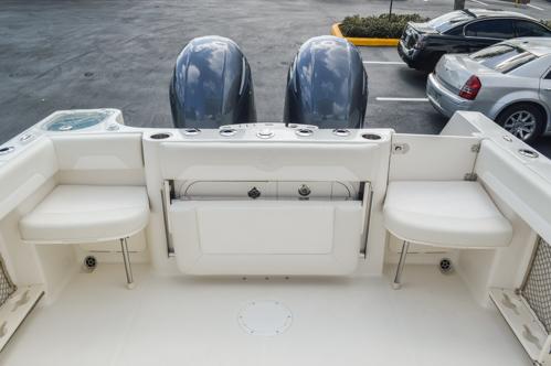 Thumbnail 19 for Used 2015 Sailfish 270 WAC Walk Around boat for sale in Miami, FL