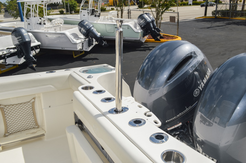 Thumbnail 22 for Used 2015 Sailfish 270 WAC Walk Around boat for sale in Miami, FL