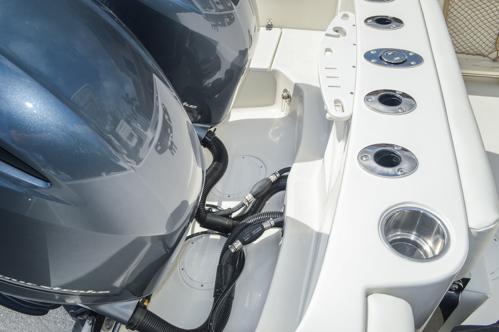 Thumbnail 25 for Used 2015 Sailfish 270 WAC Walk Around boat for sale in Miami, FL