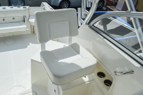 Thumbnail 50 for Used 2015 Sailfish 270 WAC Walk Around boat for sale in Miami, FL