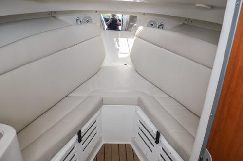 Thumbnail 67 for Used 2015 Sailfish 270 WAC Walk Around boat for sale in Miami, FL