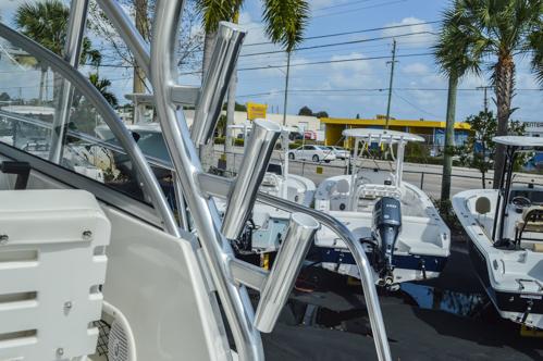 Thumbnail 53 for Used 2015 Sailfish 270 WAC Walk Around boat for sale in Miami, FL