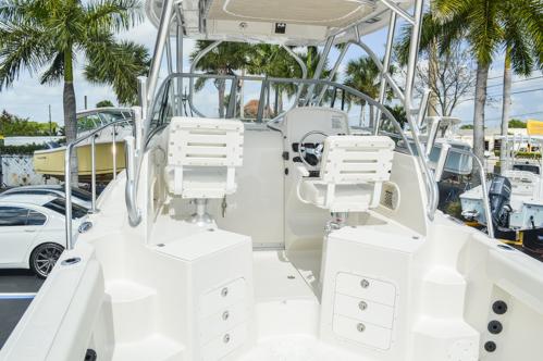 Thumbnail 15 for Used 2015 Sailfish 270 WAC Walk Around boat for sale in Miami, FL