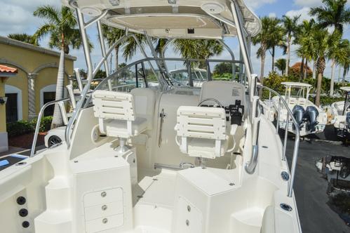 Thumbnail 16 for Used 2015 Sailfish 270 WAC Walk Around boat for sale in Miami, FL