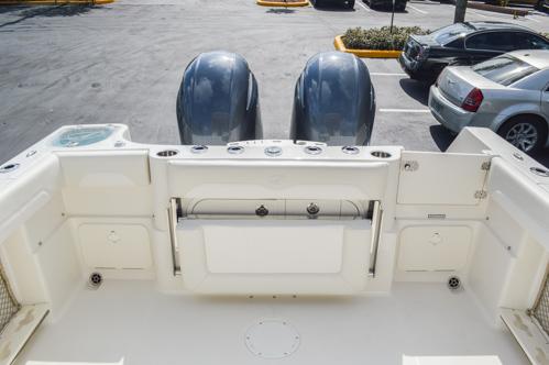 Thumbnail 20 for Used 2015 Sailfish 270 WAC Walk Around boat for sale in Miami, FL