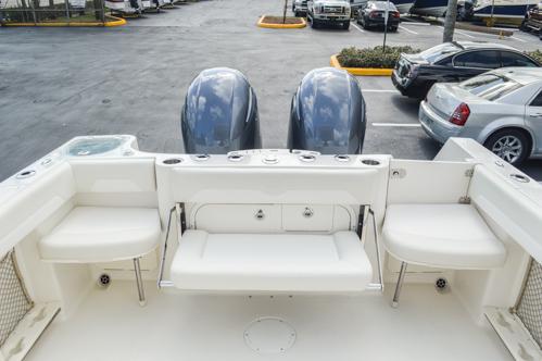 Thumbnail 18 for Used 2015 Sailfish 270 WAC Walk Around boat for sale in Miami, FL