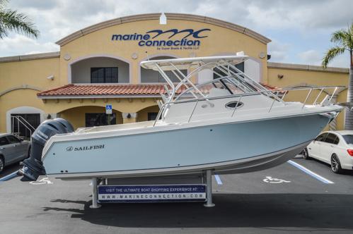 Used 2015 Sailfish 270 WAC Walk Around boat for sale in Miami, FL