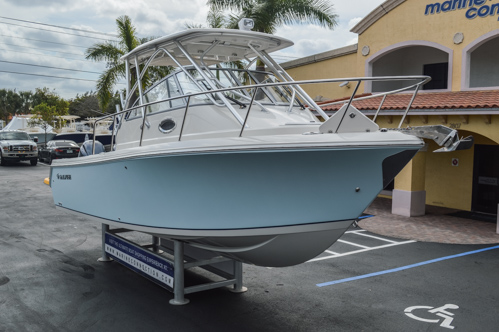 Thumbnail 10 for Used 2015 Sailfish 270 WAC Walk Around boat for sale in Miami, FL