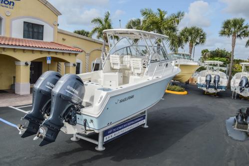 Thumbnail 9 for Used 2015 Sailfish 270 WAC Walk Around boat for sale in Miami, FL