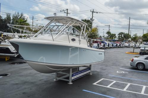 Thumbnail 12 for Used 2015 Sailfish 270 WAC Walk Around boat for sale in Miami, FL