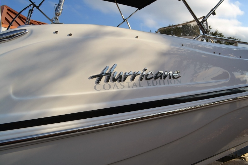 Thumbnail 5 for New 2017 Hurricane SunDeck Sport SS 211 OB boat for sale in West Palm Beach, FL