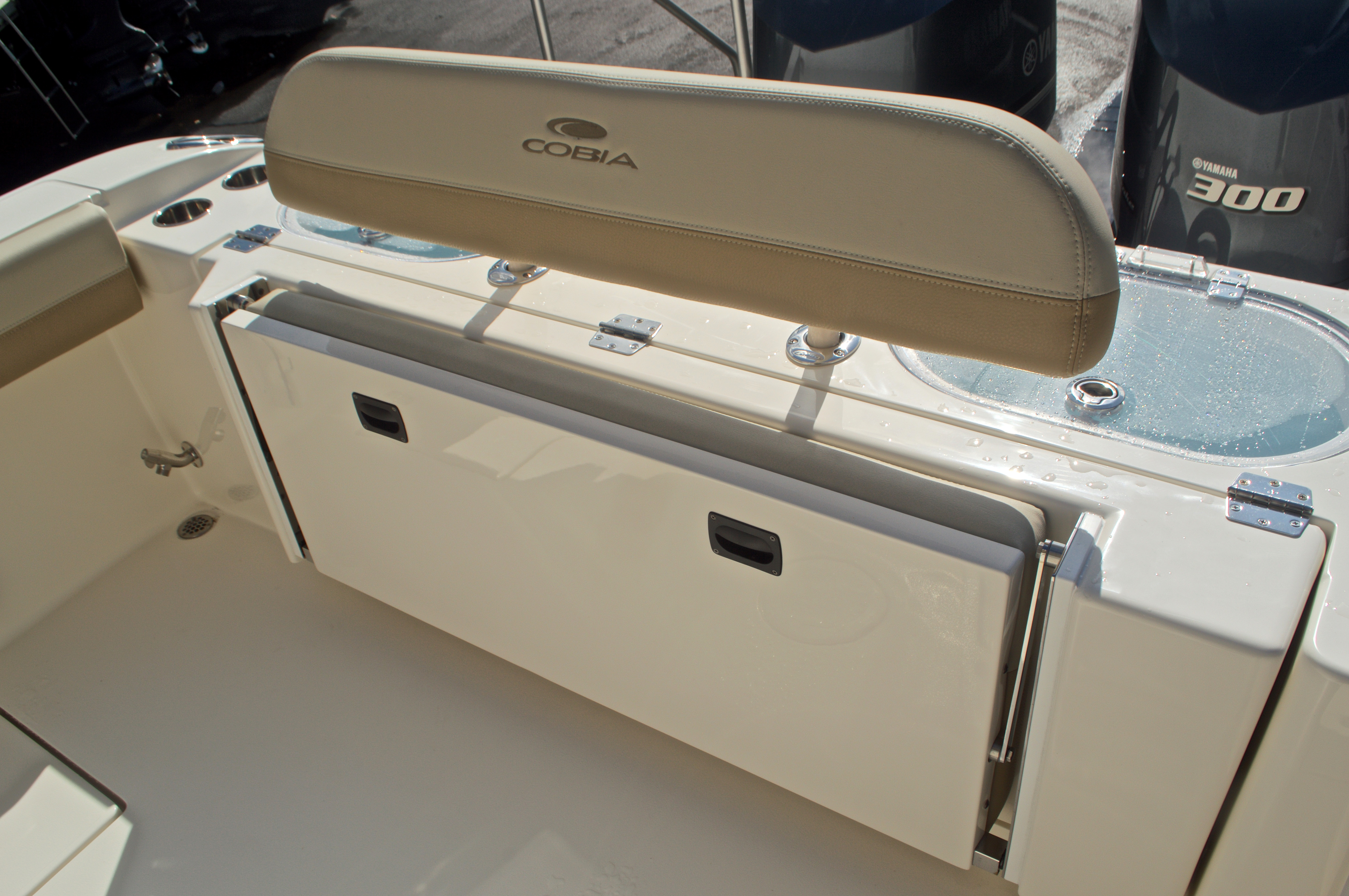 Thumbnail 16 for New 2017 Cobia 296 Center Console boat for sale in Miami, FL