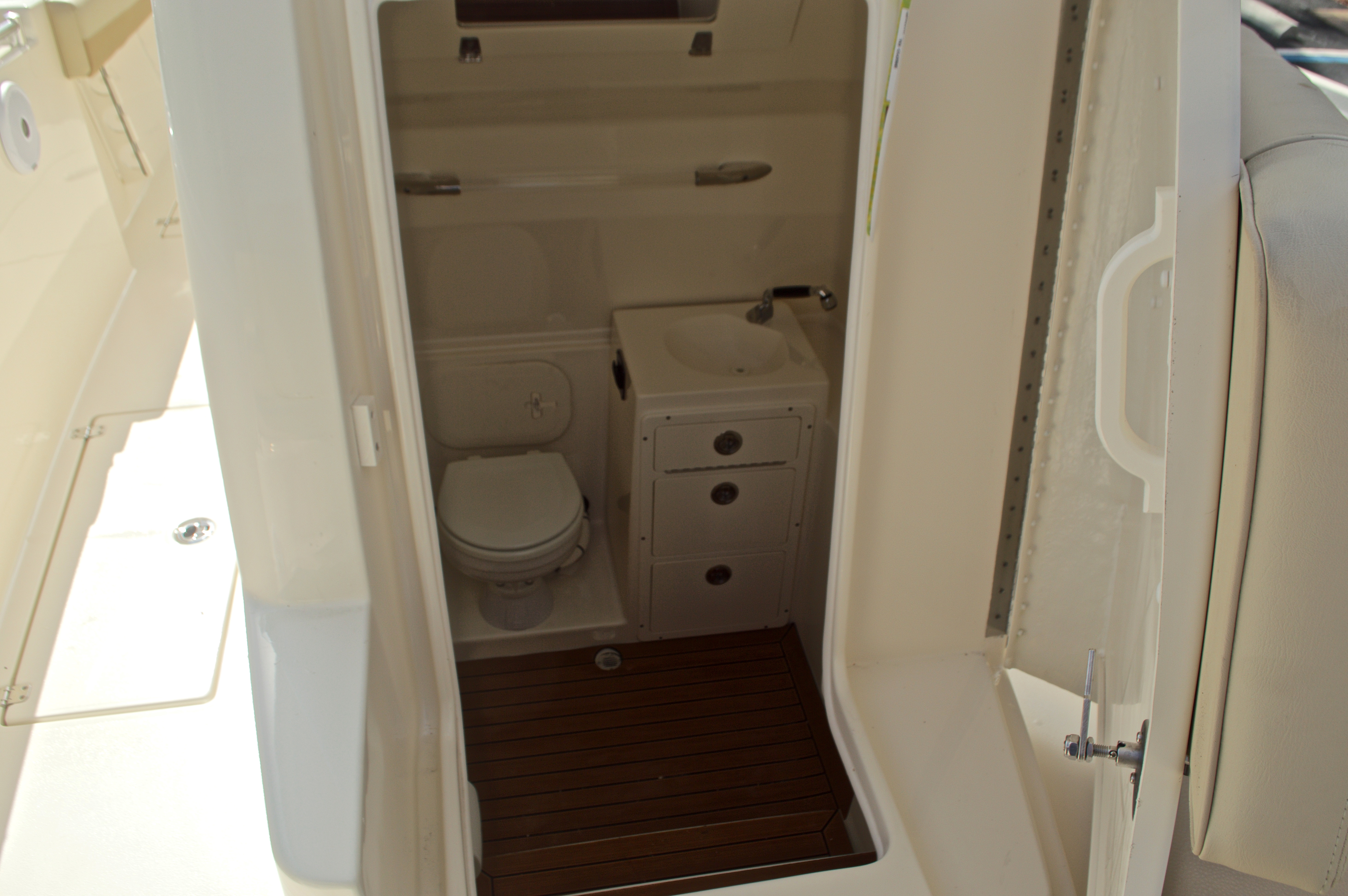 Thumbnail 58 for New 2017 Cobia 296 Center Console boat for sale in Miami, FL