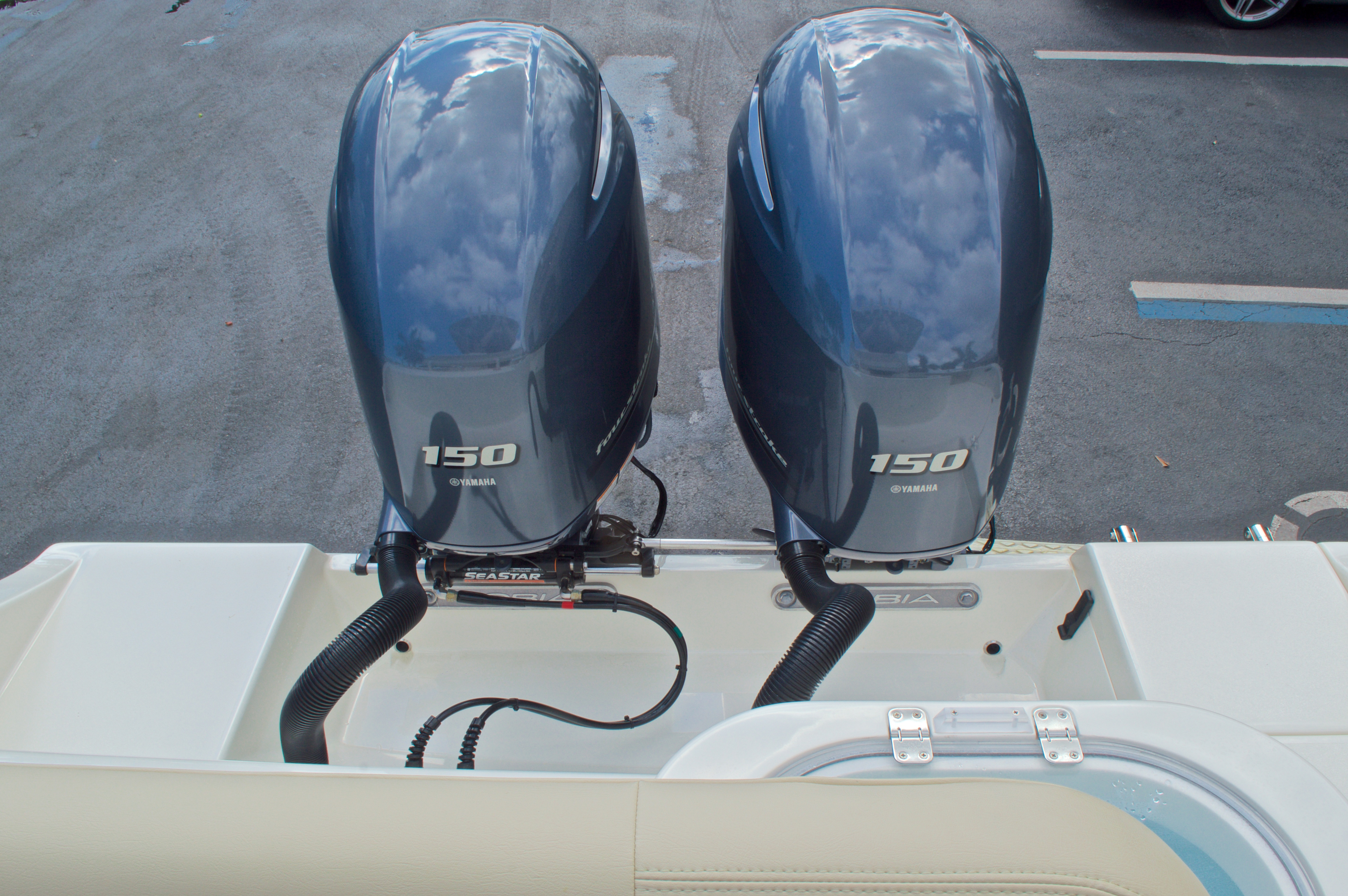 Thumbnail 13 for New 2017 Cobia 261 Center Console boat for sale in Miami, FL