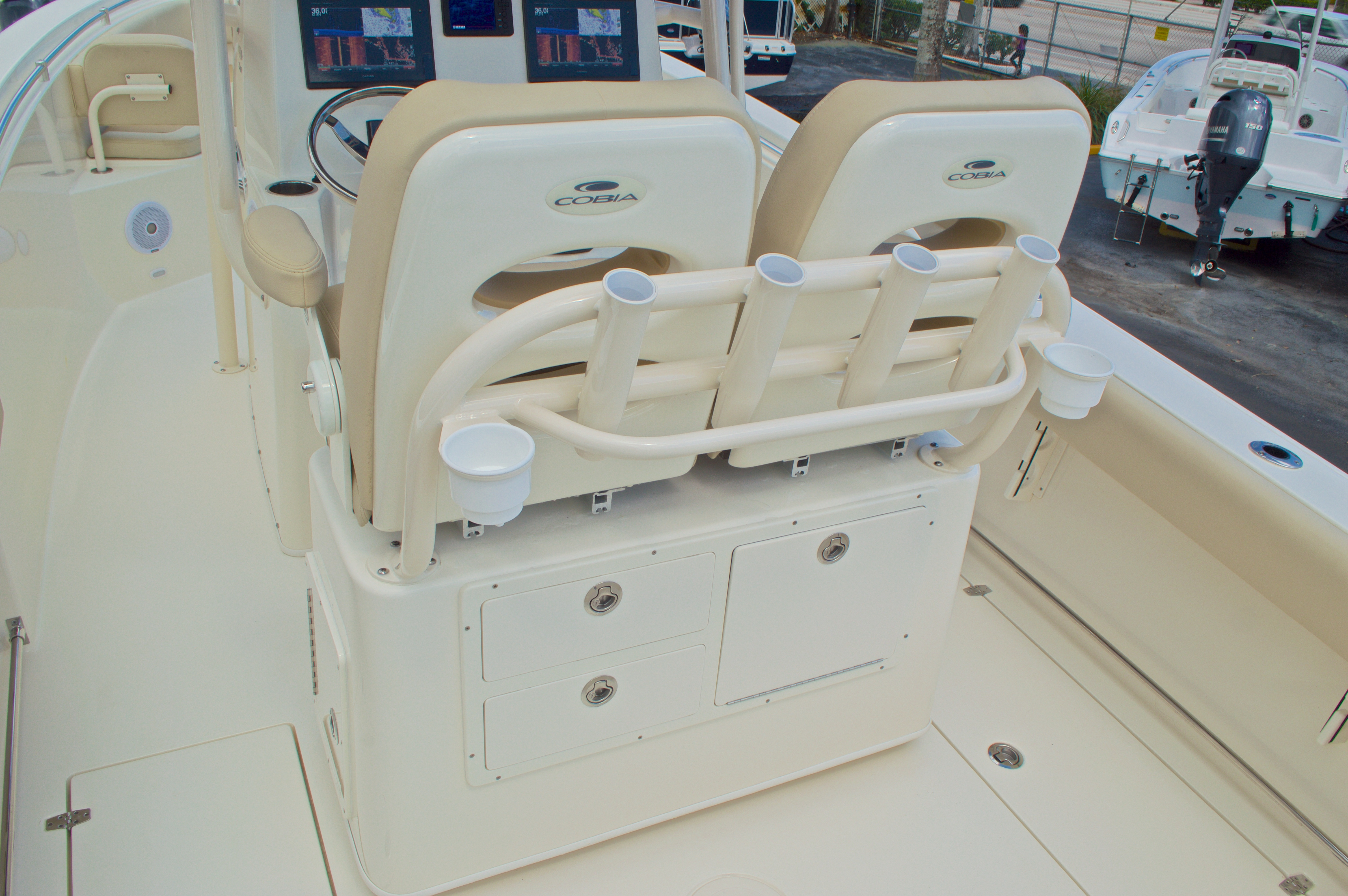 Thumbnail 29 for New 2017 Cobia 261 Center Console boat for sale in Miami, FL
