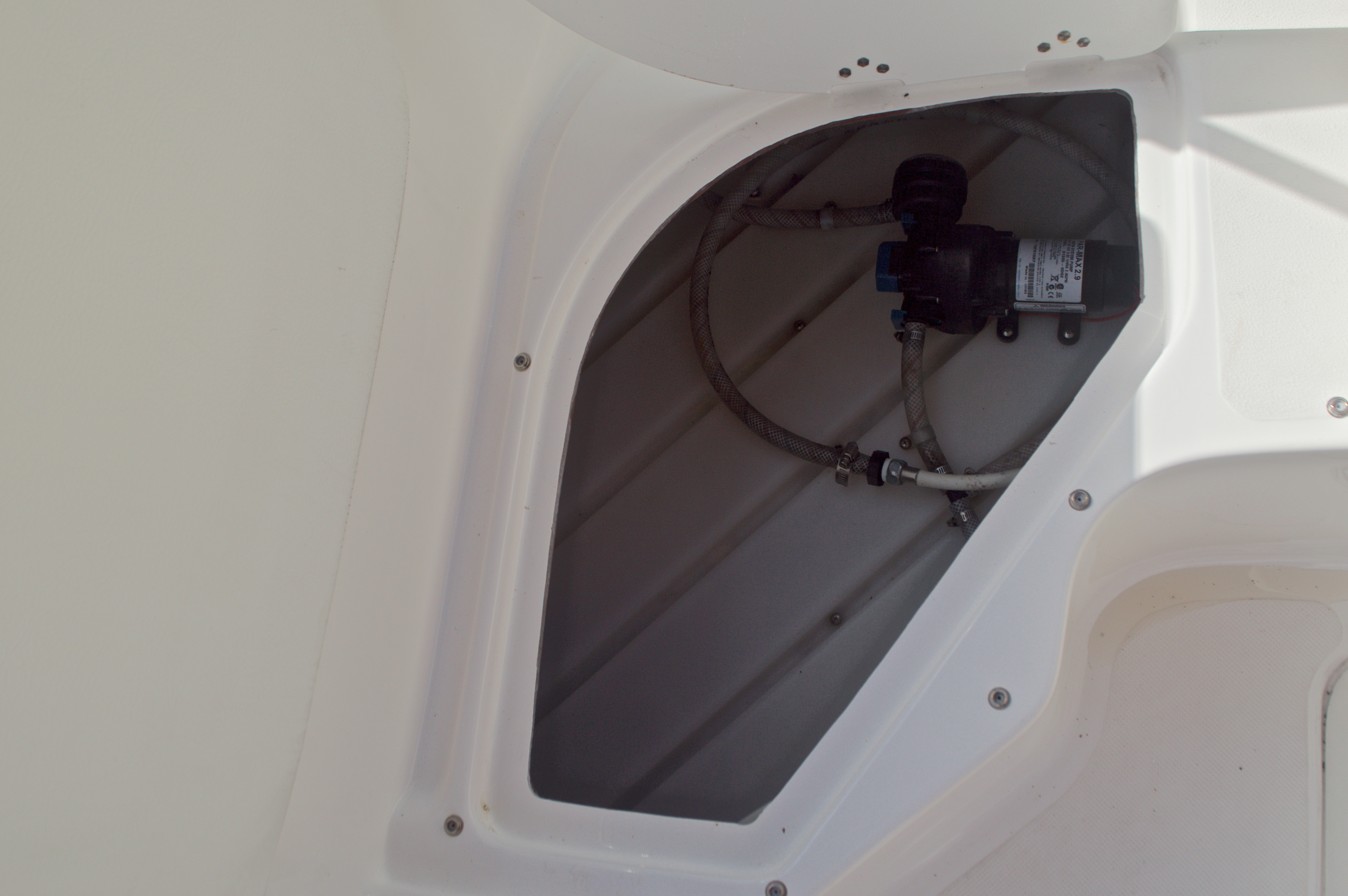 Thumbnail 14 for Used 2014 Hurricane Sundeck Sport SS 231 OB boat for sale in West Palm Beach, FL