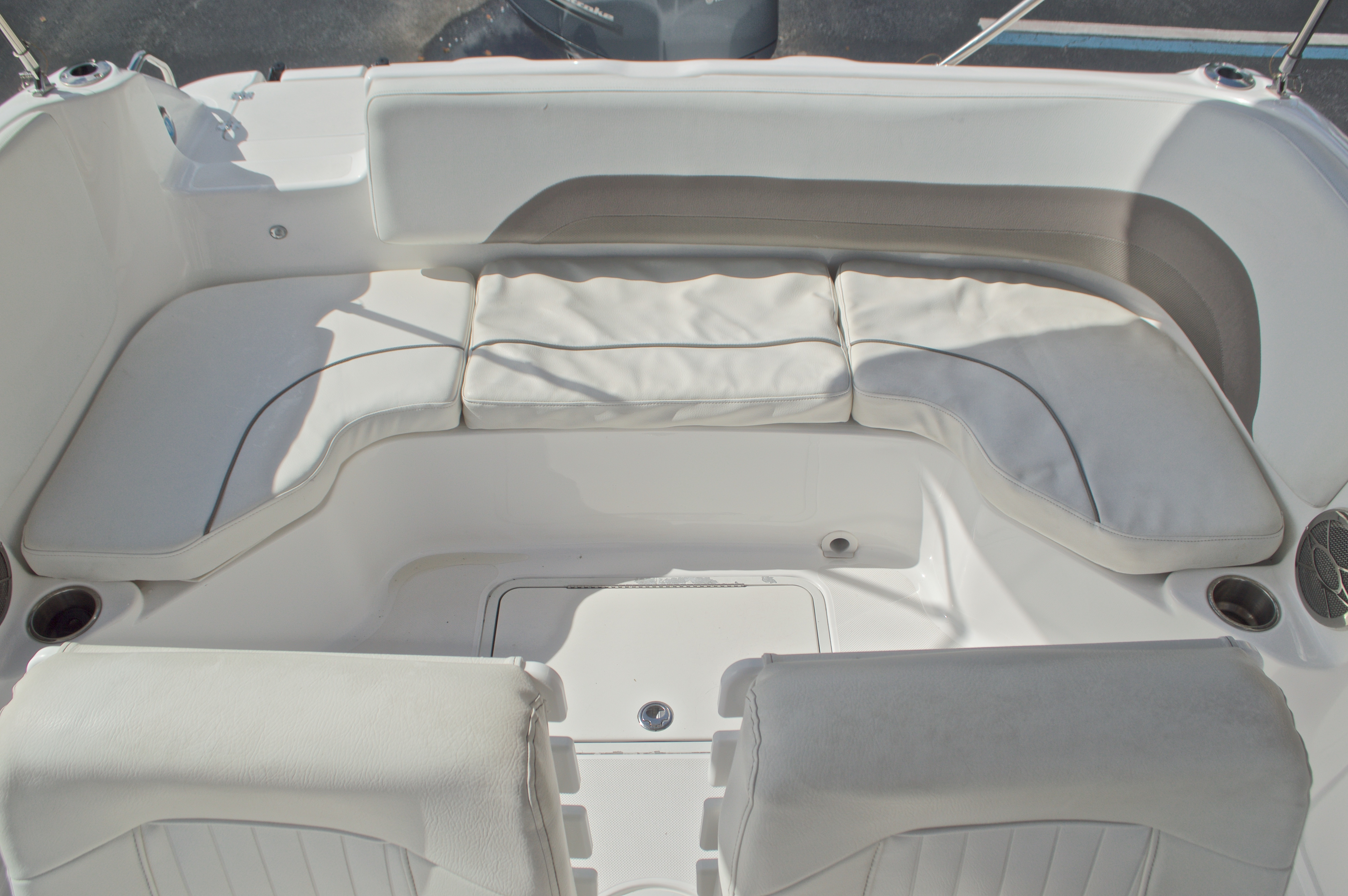 Thumbnail 22 for Used 2014 Hurricane Sundeck Sport SS 231 OB boat for sale in West Palm Beach, FL