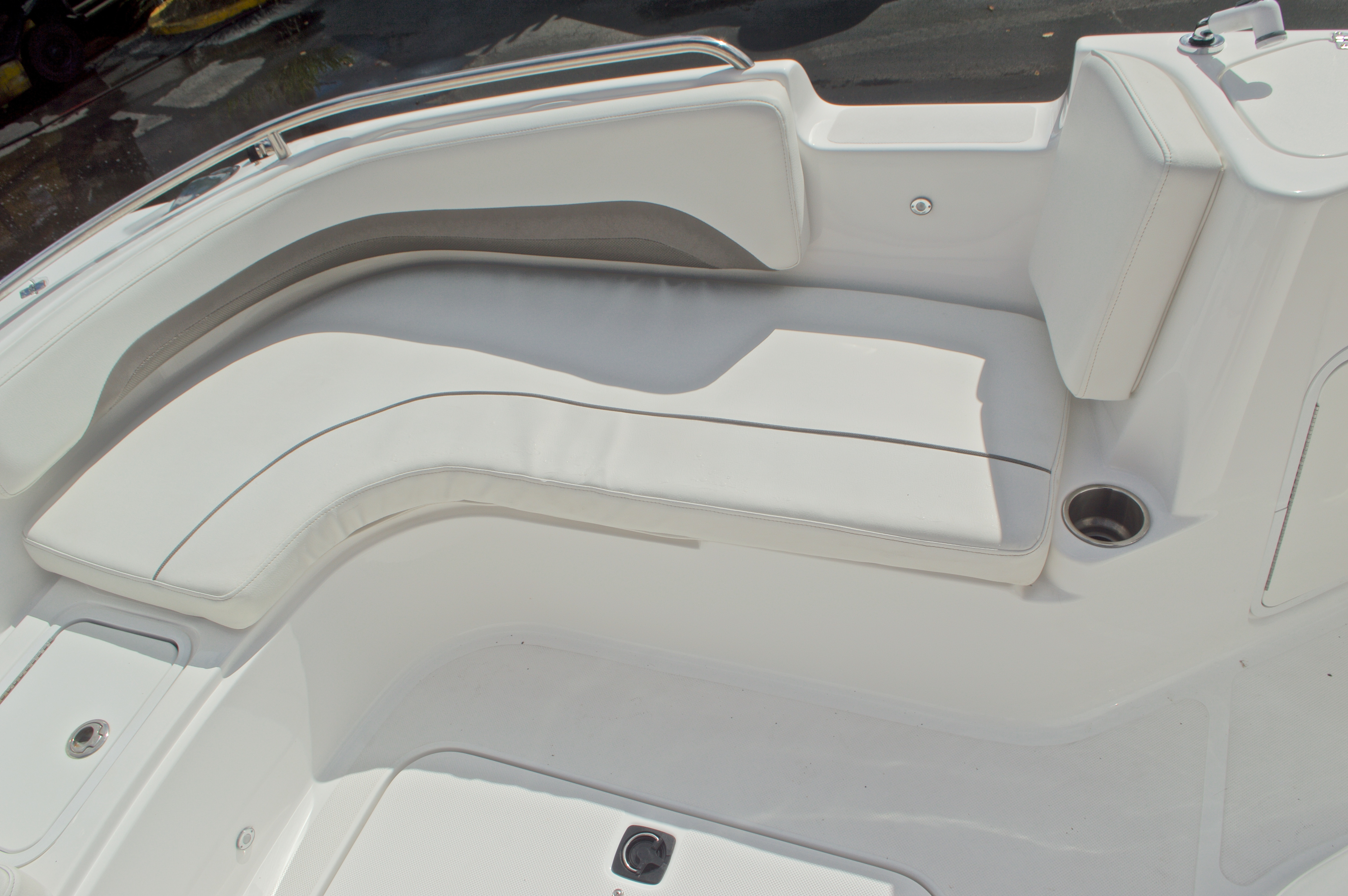 Thumbnail 50 for Used 2014 Hurricane Sundeck Sport SS 231 OB boat for sale in West Palm Beach, FL