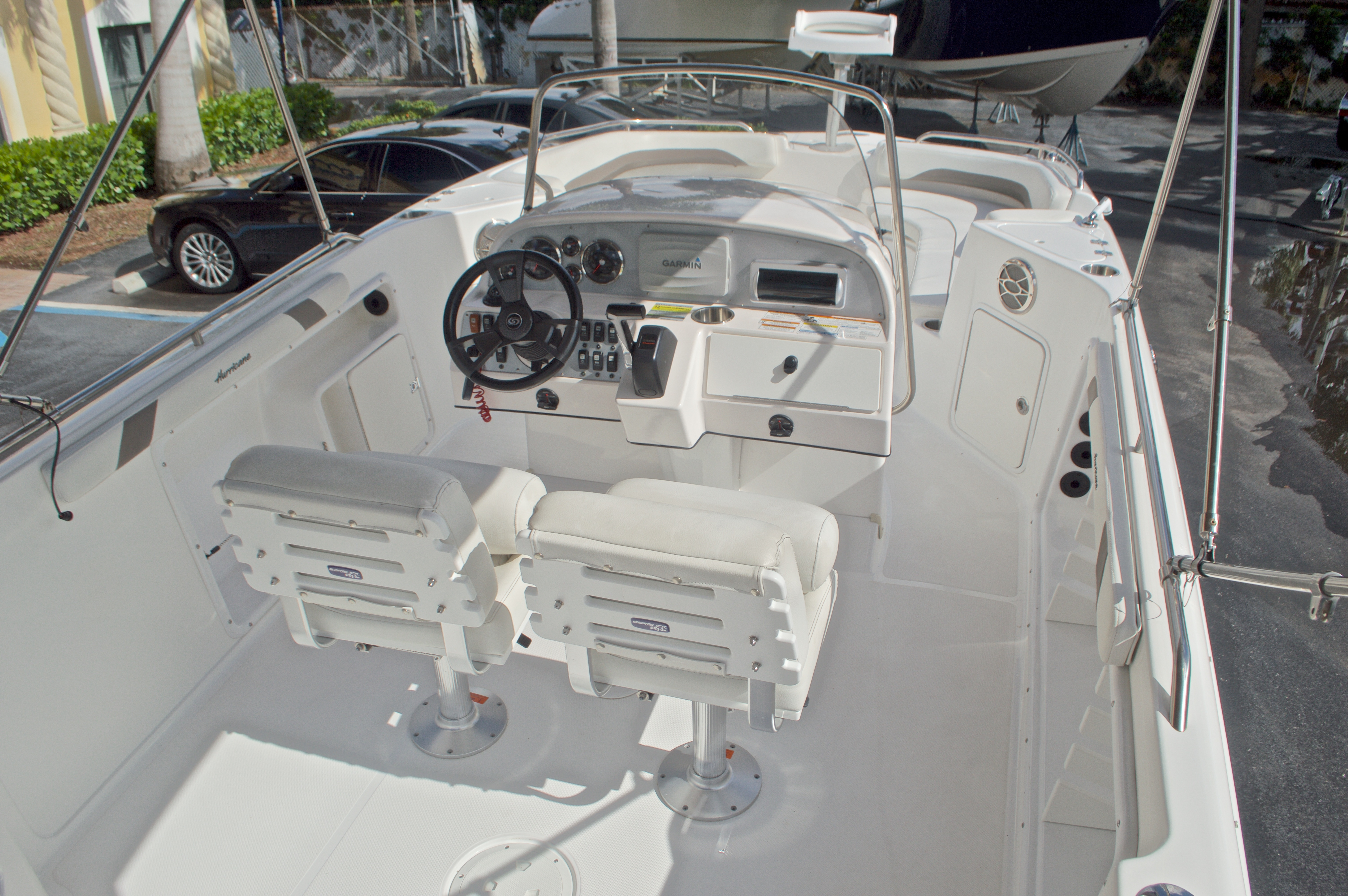 Thumbnail 9 for Used 2014 Hurricane Sundeck Sport SS 231 OB boat for sale in West Palm Beach, FL