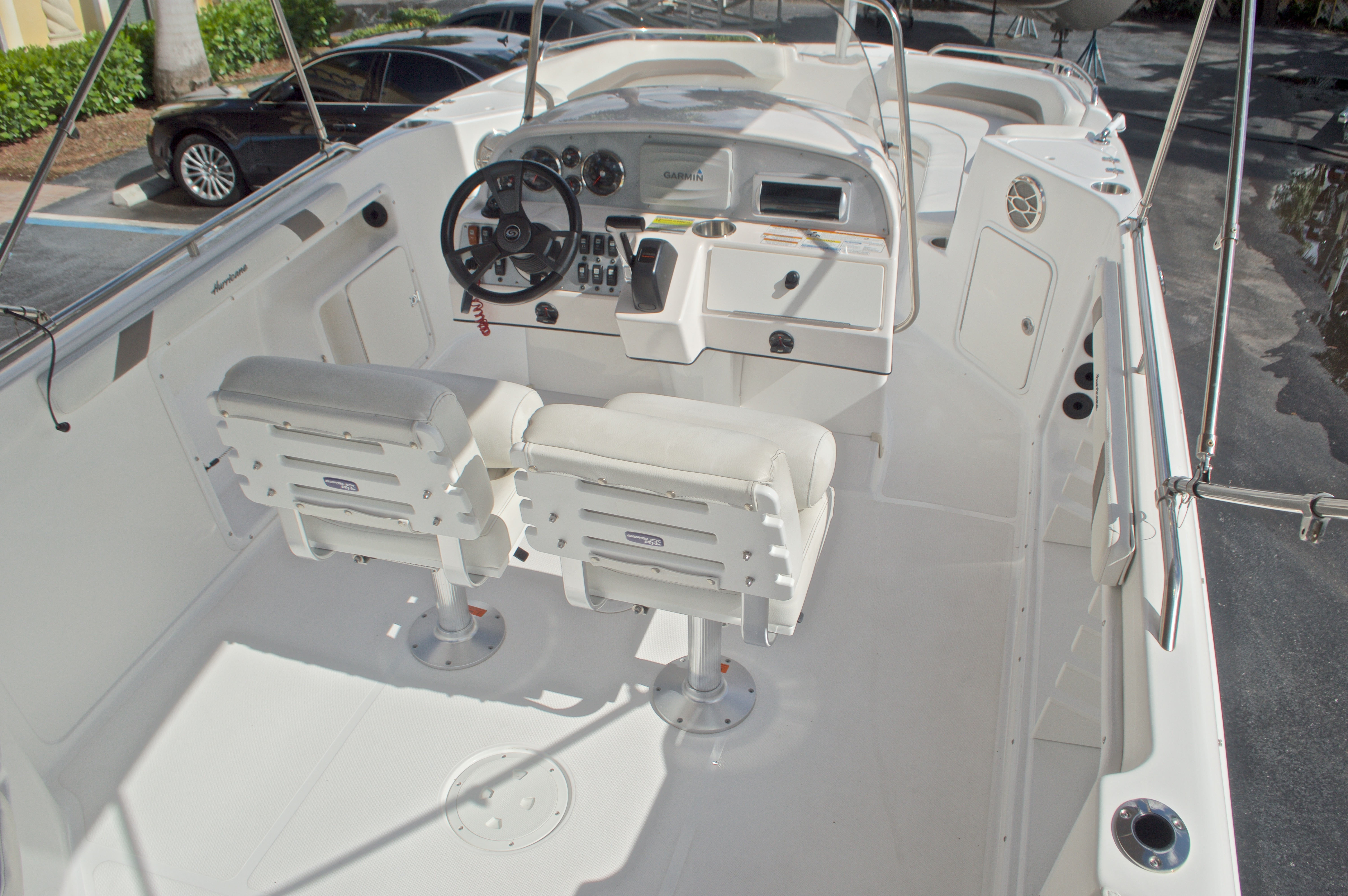 Thumbnail 10 for Used 2014 Hurricane Sundeck Sport SS 231 OB boat for sale in West Palm Beach, FL
