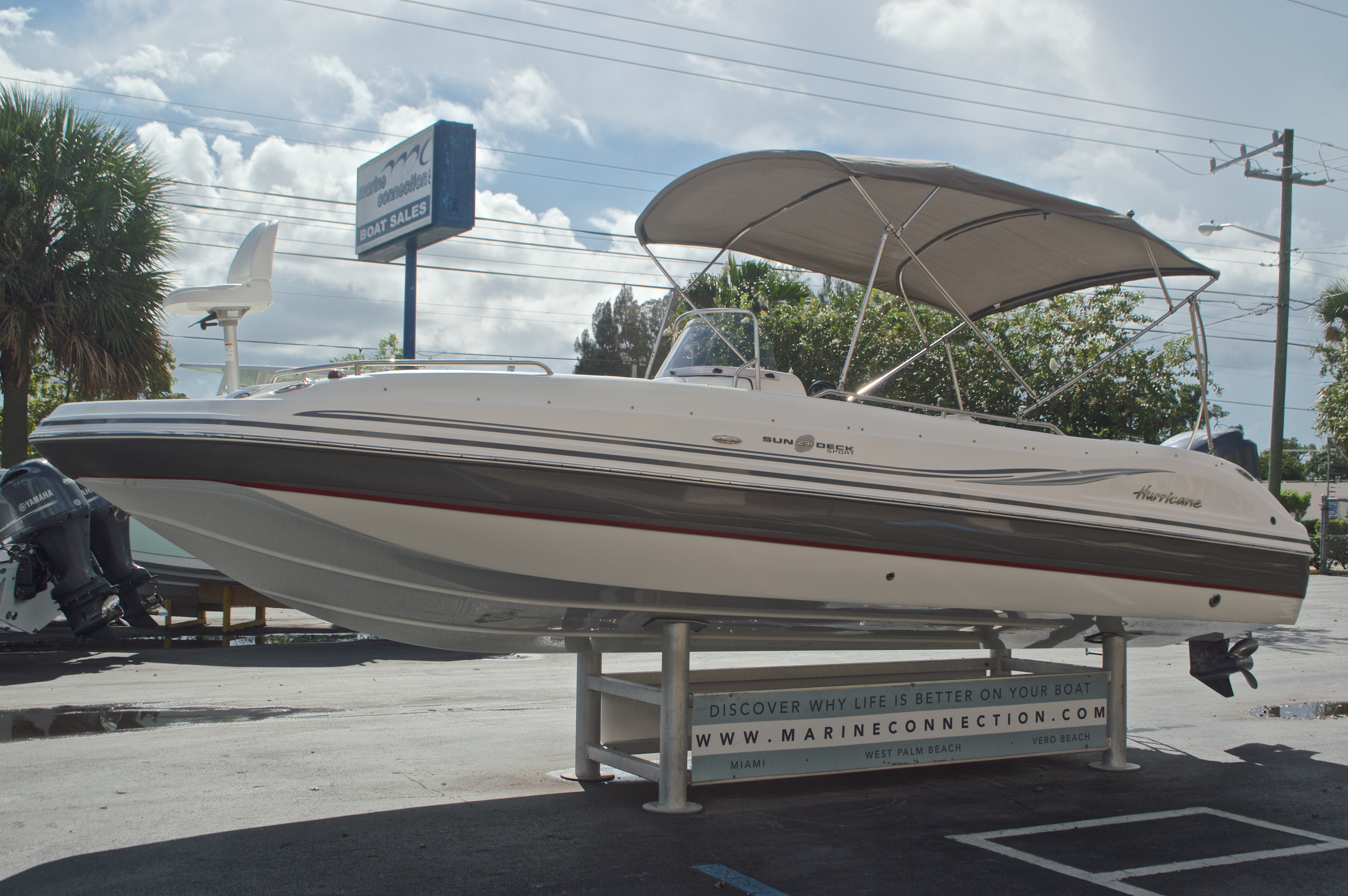 Thumbnail 3 for Used 2014 Hurricane Sundeck Sport SS 231 OB boat for sale in West Palm Beach, FL