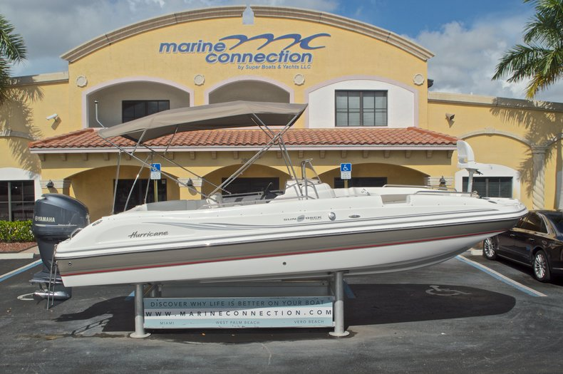 Used 2014 Hurricane Sundeck Sport SS 231 OB boat for sale in West Palm Beach, FL