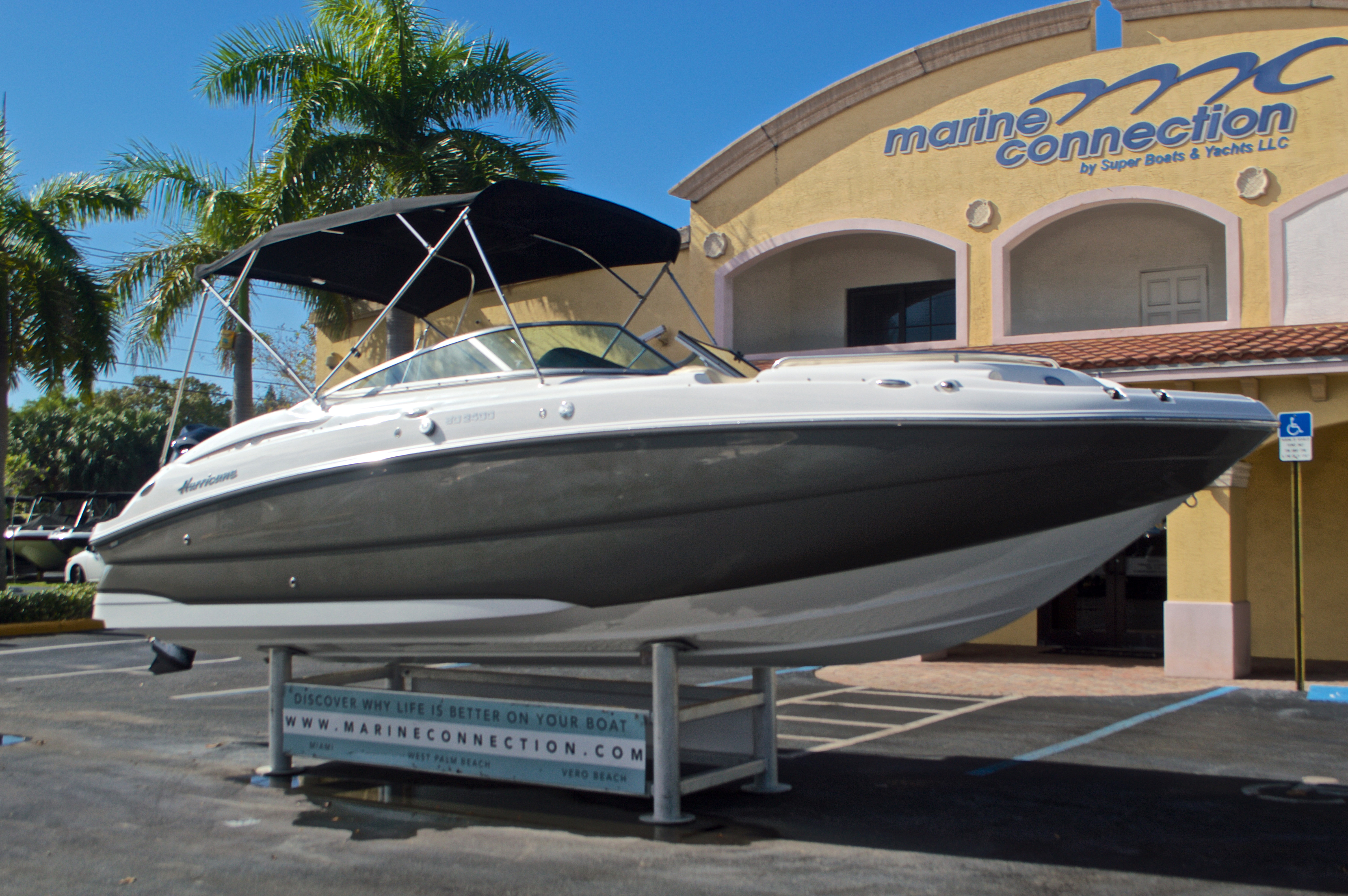 Thumbnail 1 for New 2017 Hurricane SunDeck SD 2400 OB boat for sale in West Palm Beach, FL