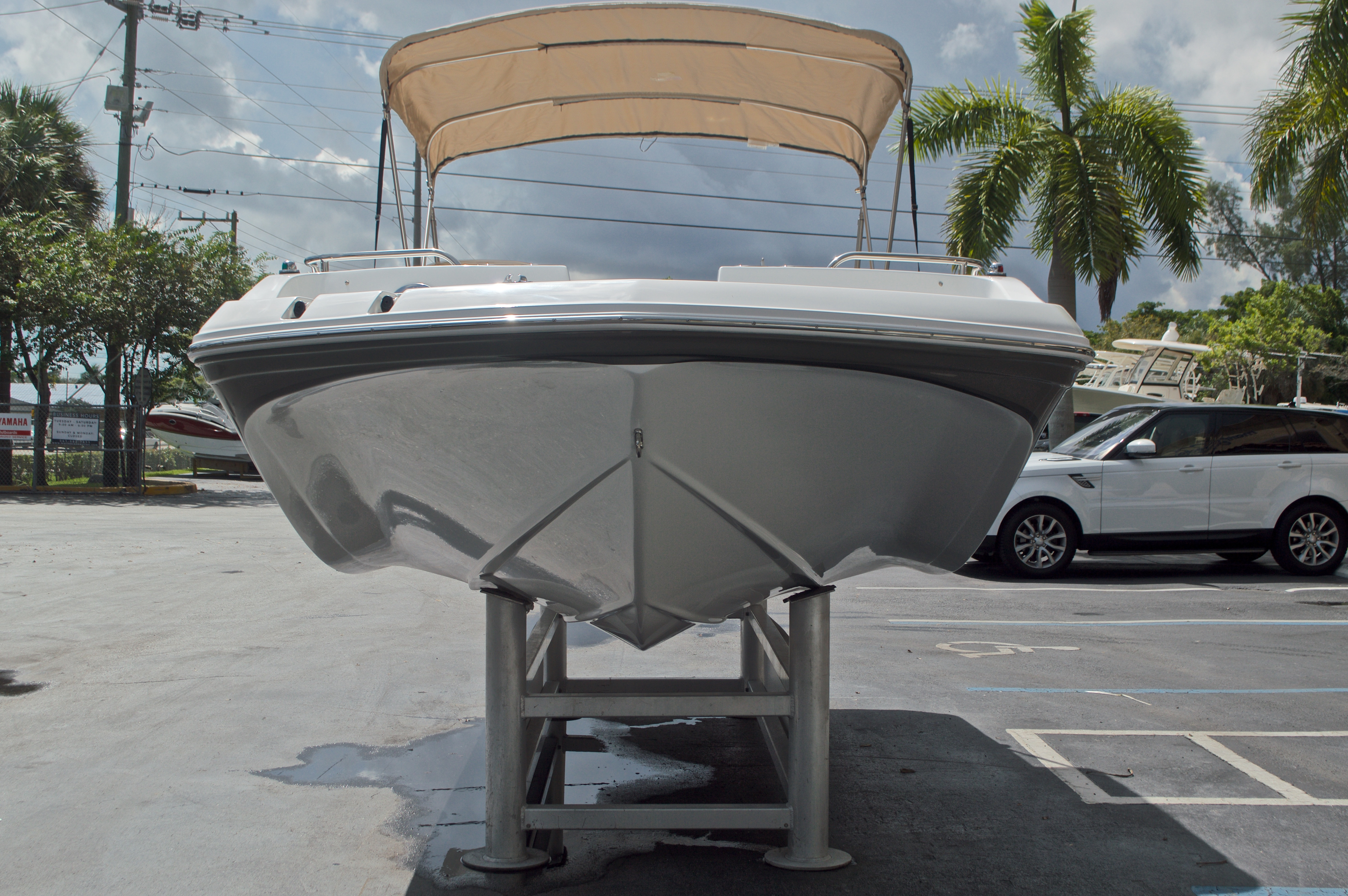 Thumbnail 2 for New 2017 Hurricane SunDeck Sport SS 188 OB boat for sale in West Palm Beach, FL
