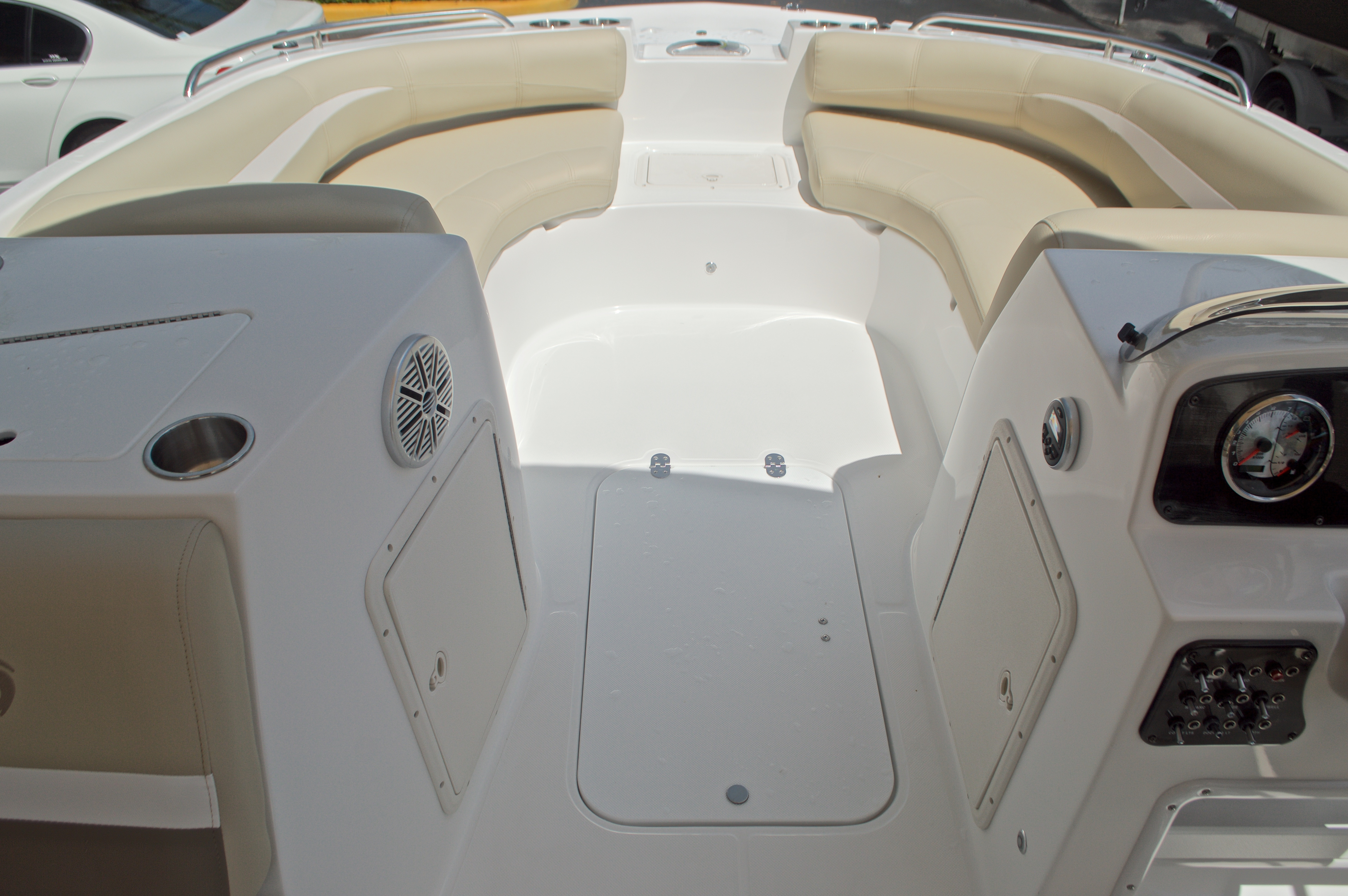 Thumbnail 28 for New 2017 Hurricane SunDeck Sport SS 188 OB boat for sale in West Palm Beach, FL