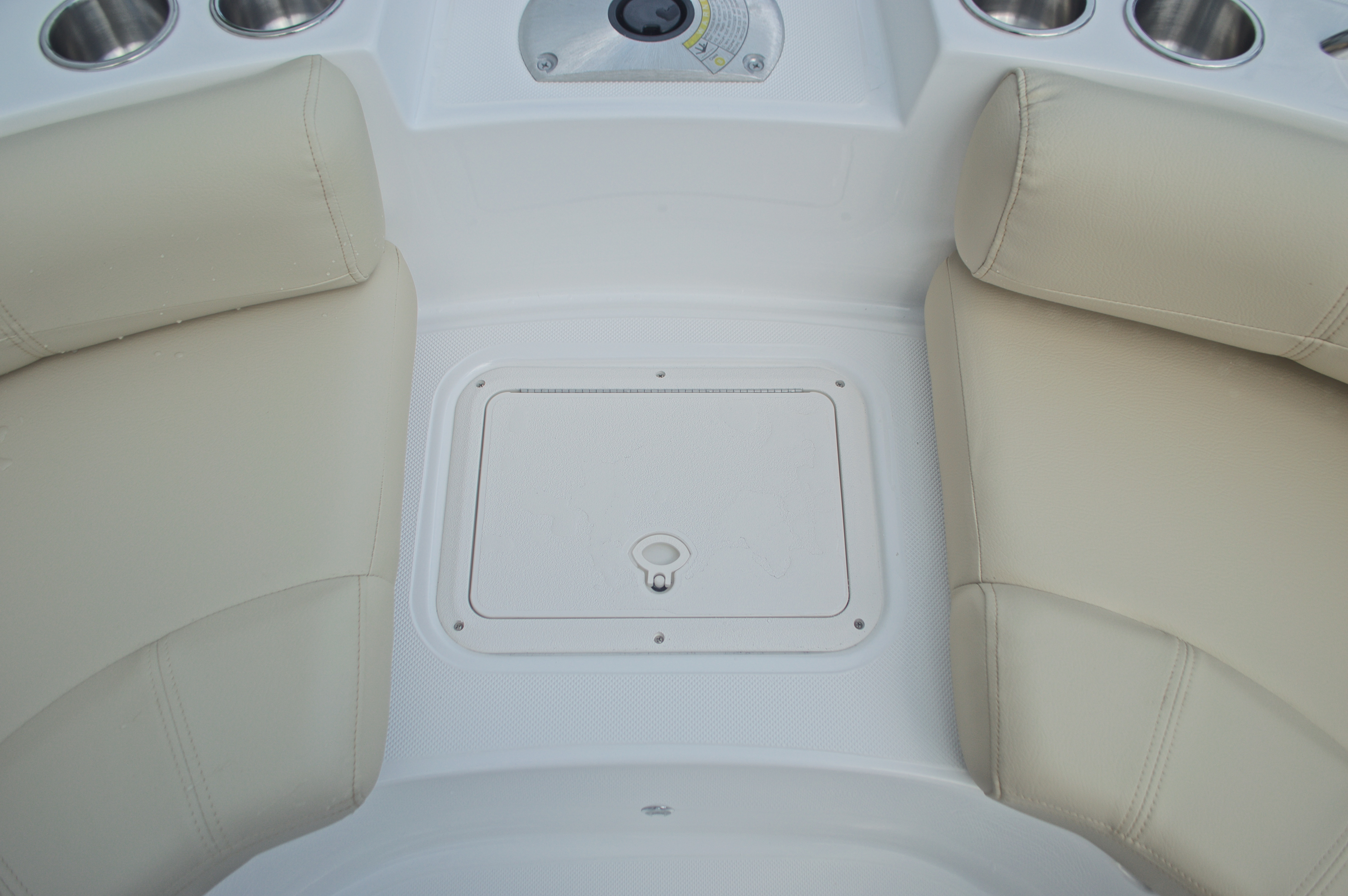 Thumbnail 35 for New 2017 Hurricane SunDeck Sport SS 188 OB boat for sale in West Palm Beach, FL