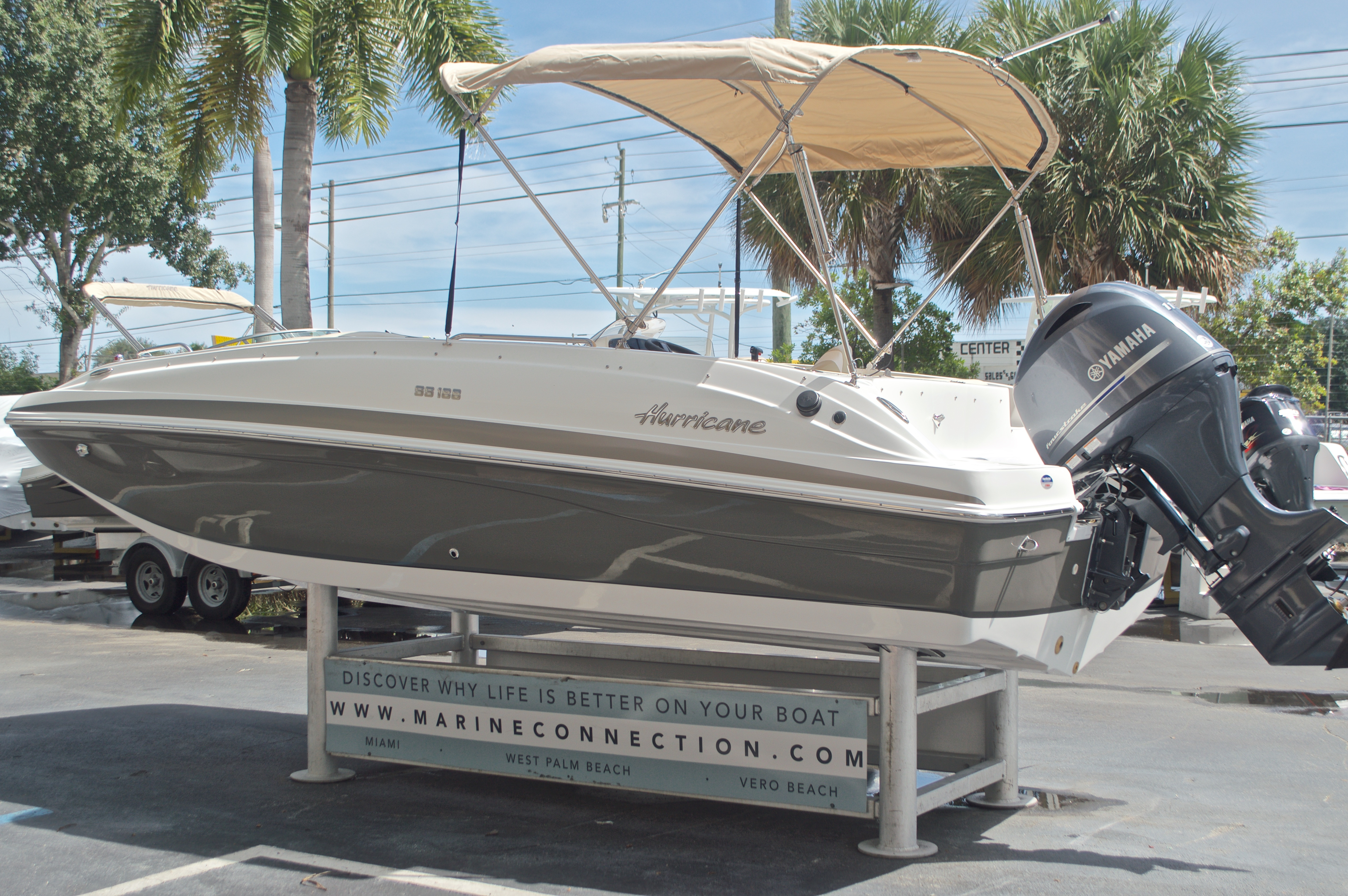 Thumbnail 5 for New 2017 Hurricane SunDeck Sport SS 188 OB boat for sale in West Palm Beach, FL