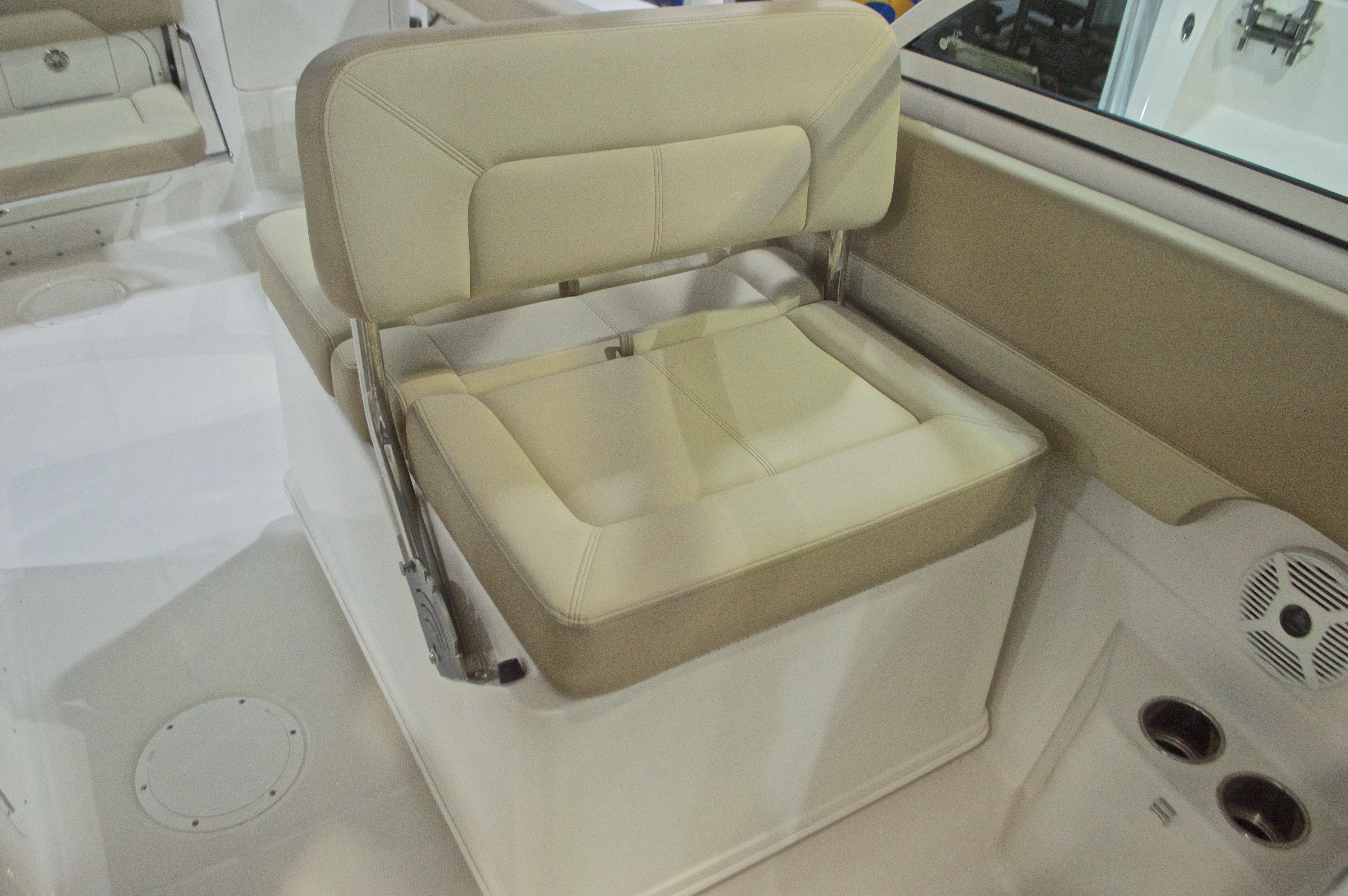 Thumbnail 21 for New 2017 Sailfish 275 Dual Console boat for sale in West Palm Beach, FL