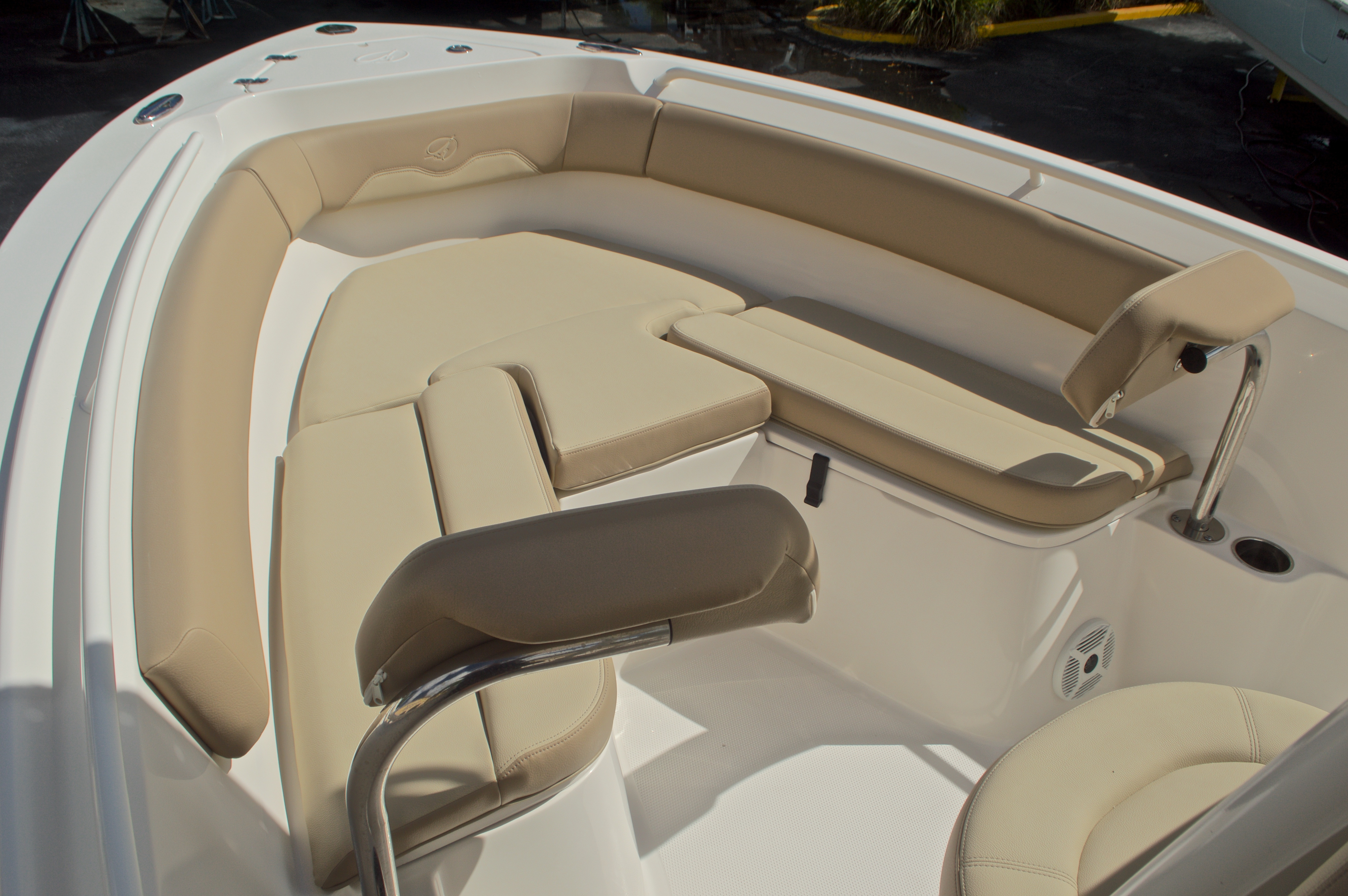 Thumbnail 38 for New 2017 Sailfish 220 CC Center Console boat for sale in Miami, FL