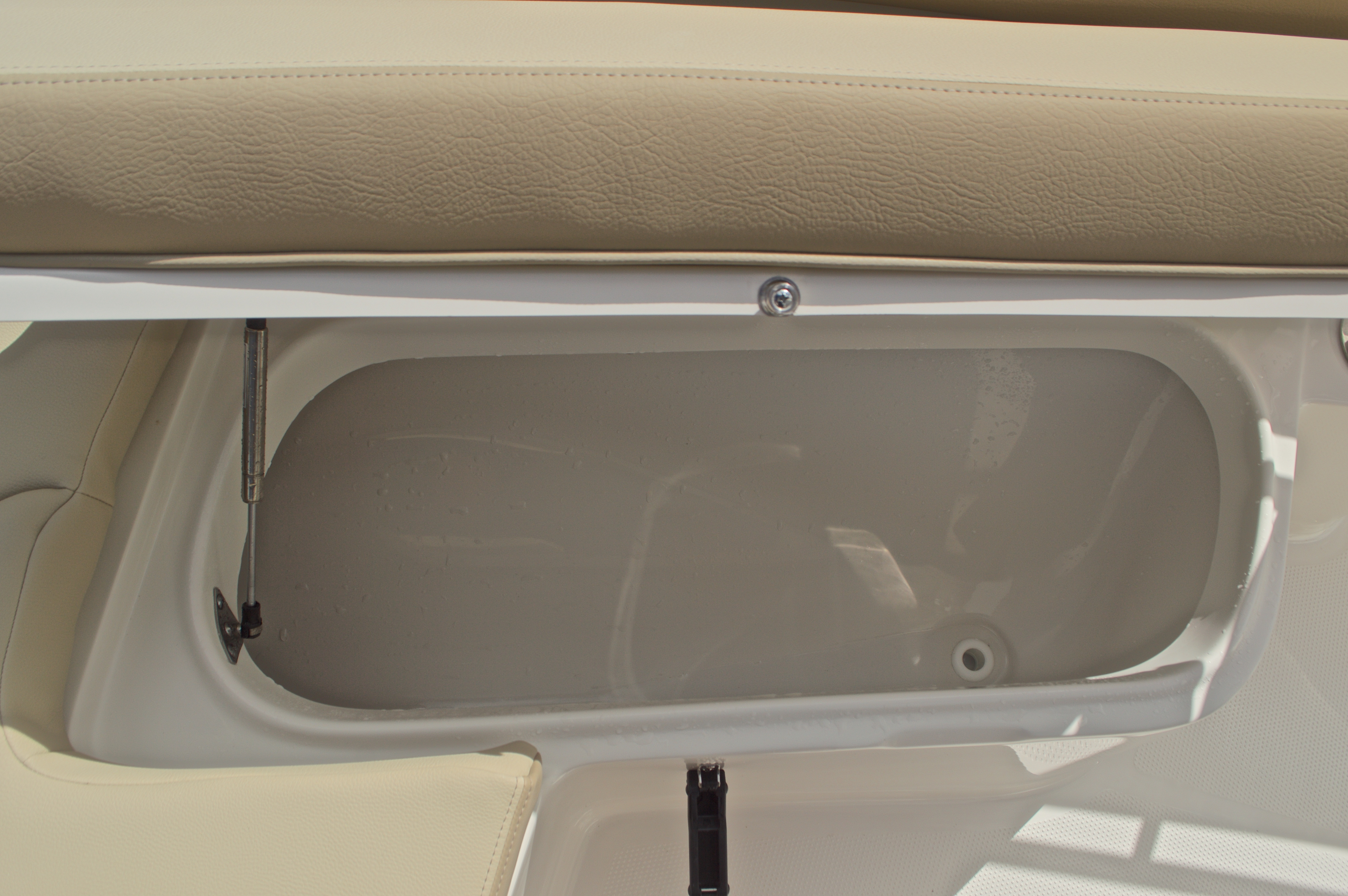 Thumbnail 43 for New 2017 Sailfish 220 CC Center Console boat for sale in Miami, FL